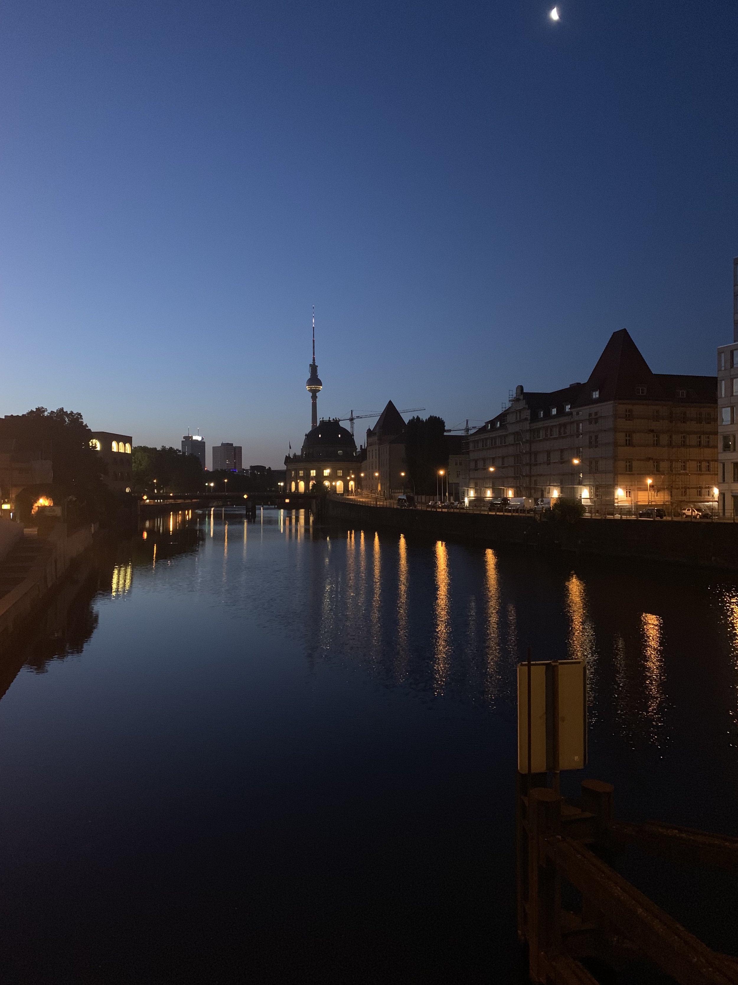 Berlin at dawn 3.jpg