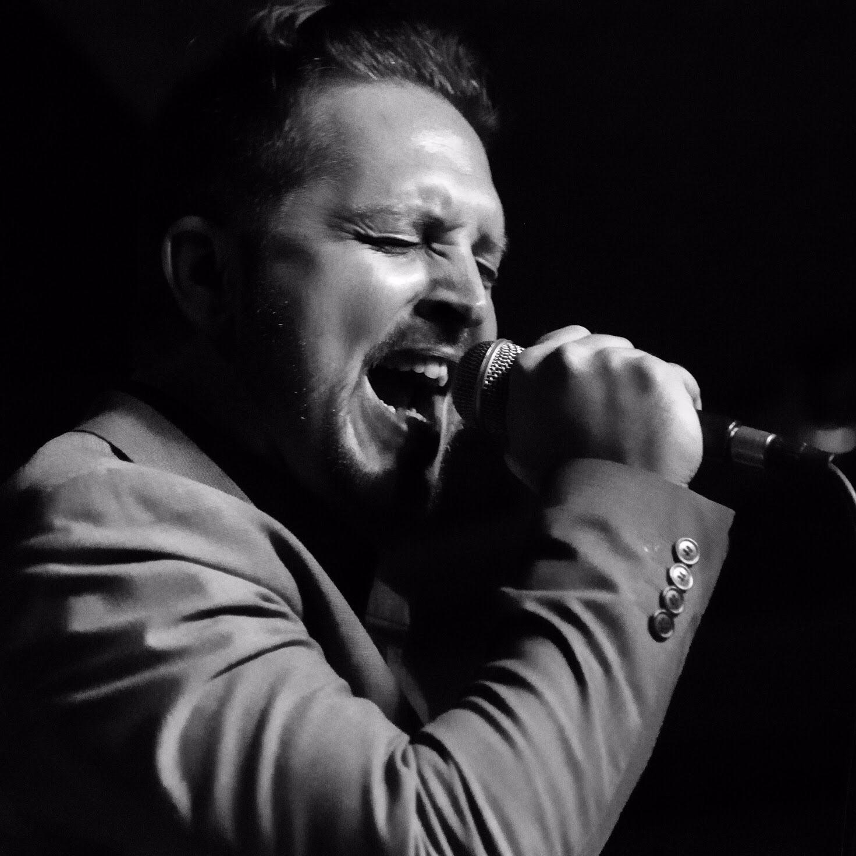 Ken Hunnemeder   Lead Vocals