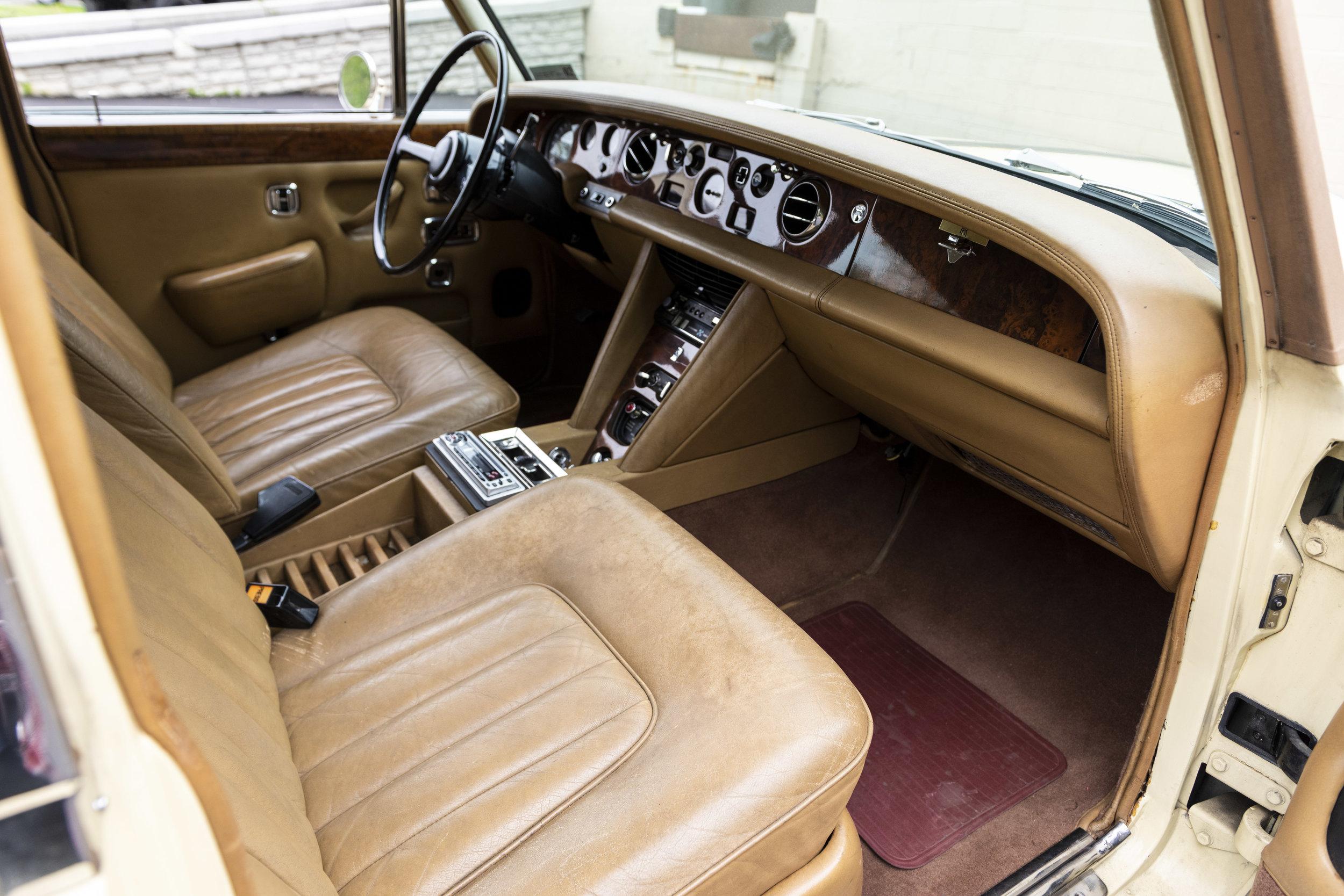yellow rolls interiors_004.JPG