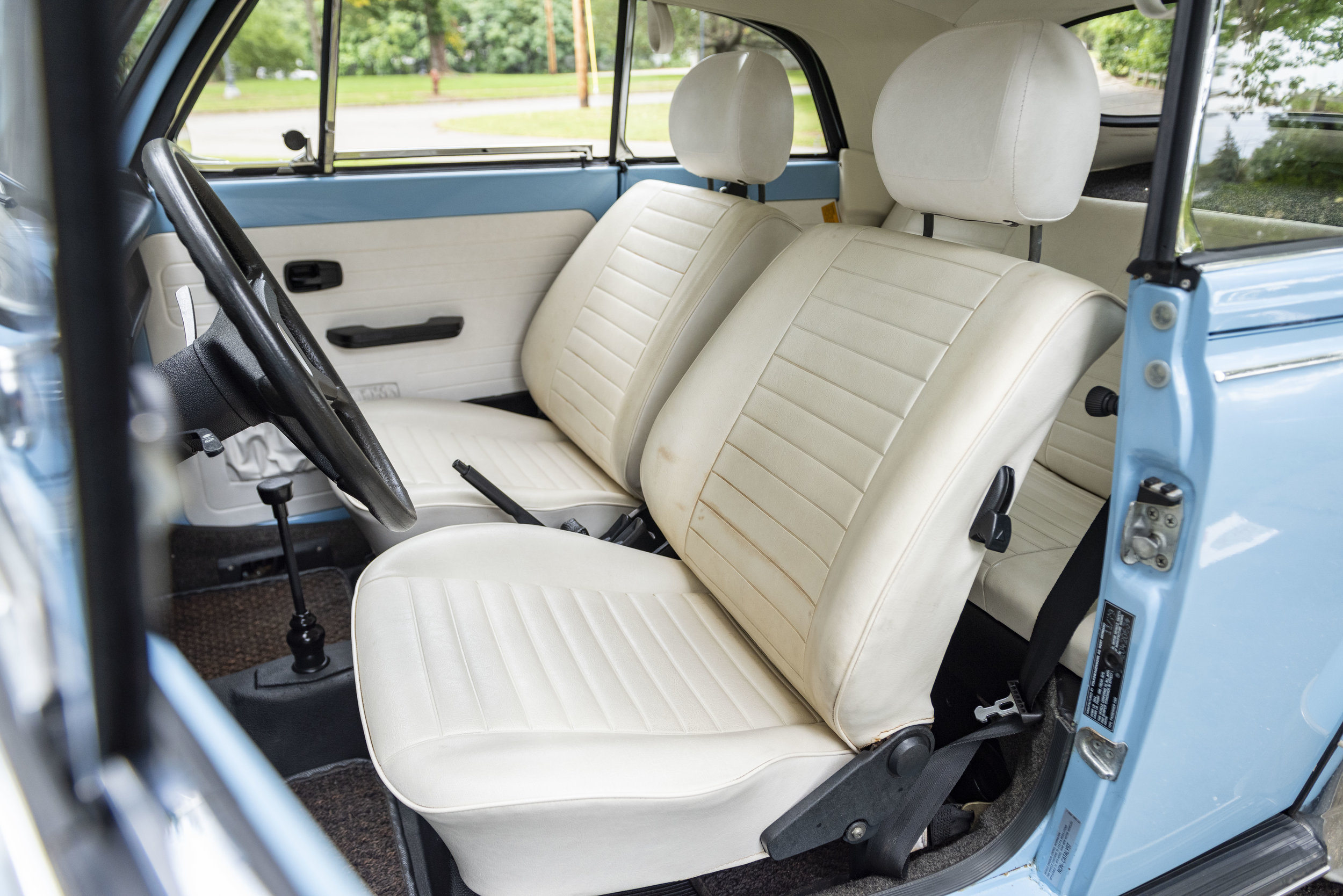 VW Bug Interior_005.JPG