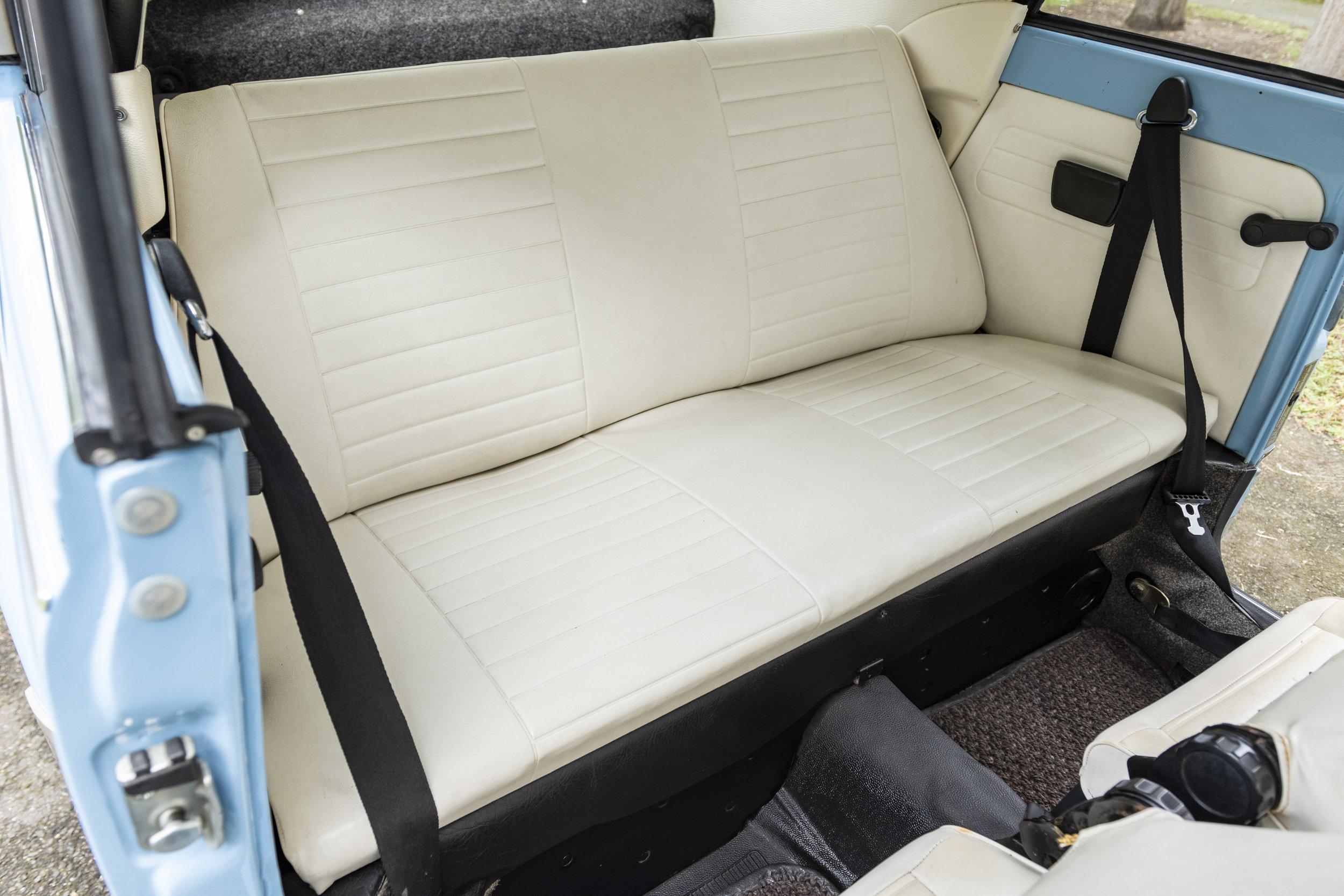 VW Bug Interior_006.JPG
