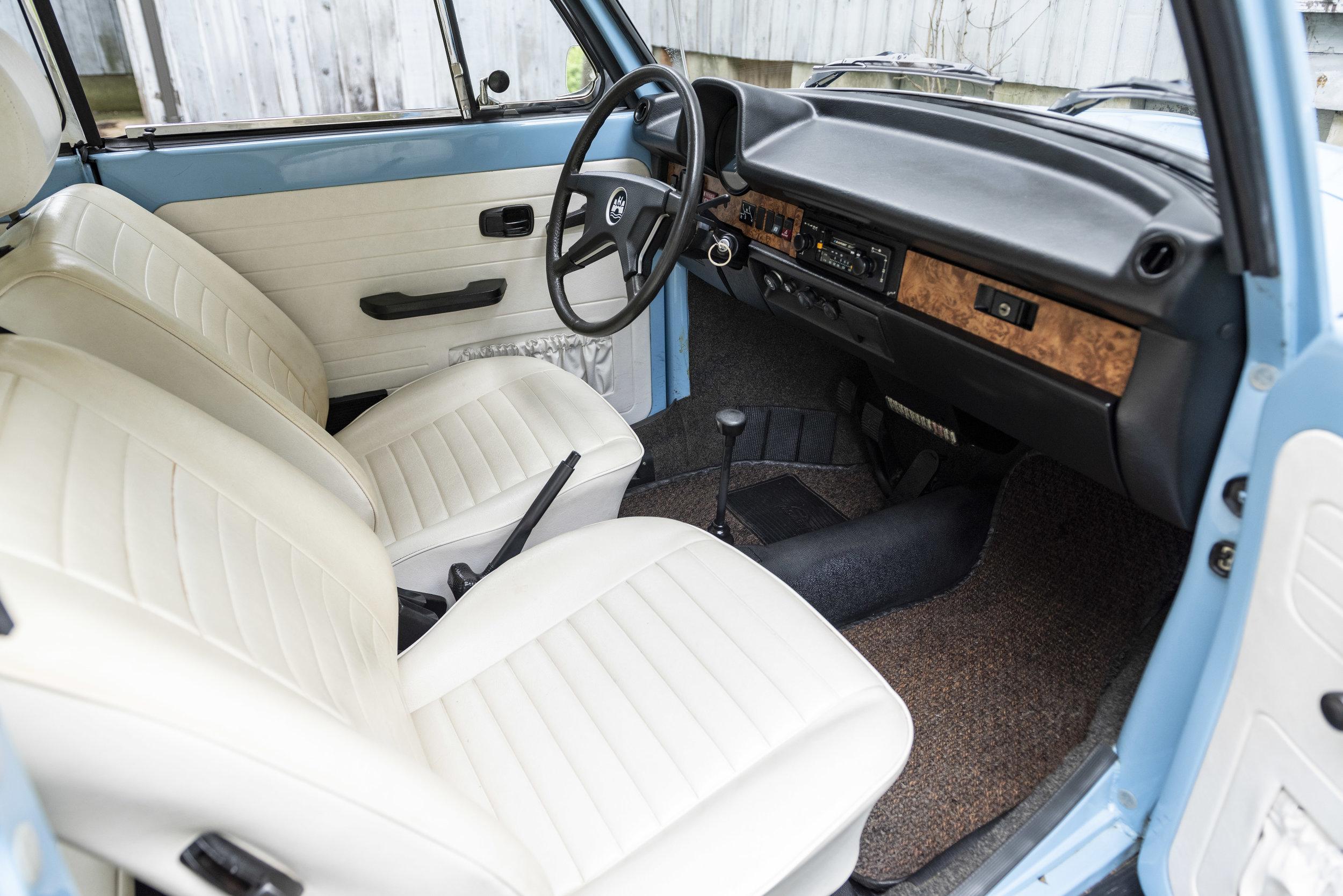 VW Bug Interior_008.JPG
