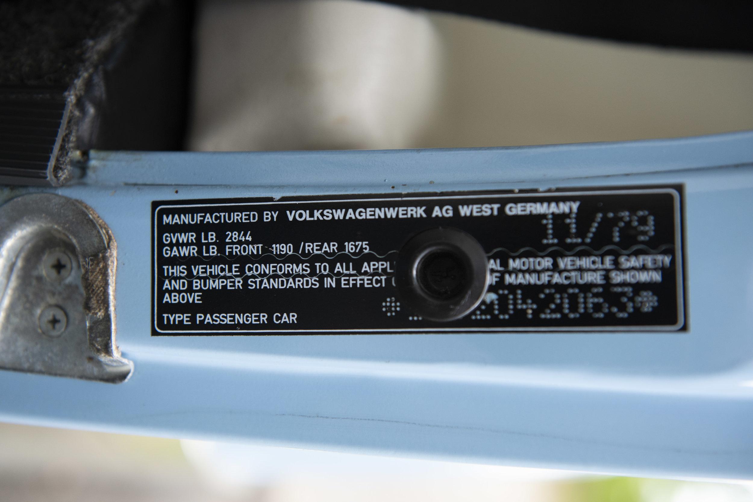 VW Bug Interior_016.JPG