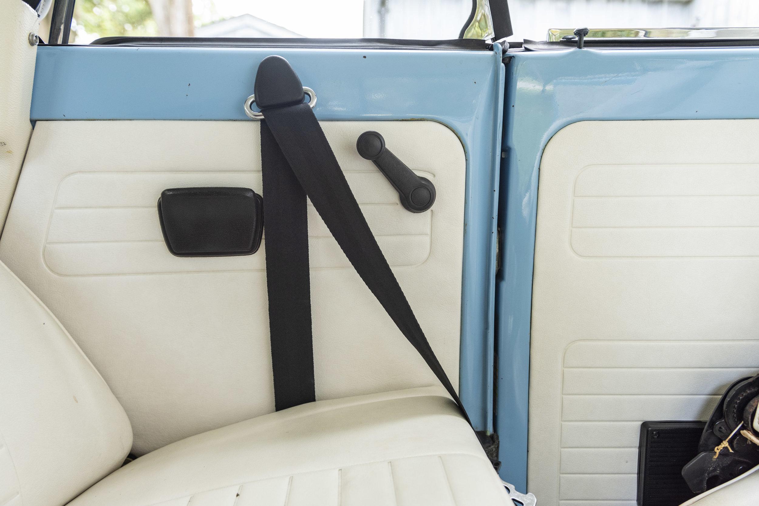 VW Bug Interior_022.JPG