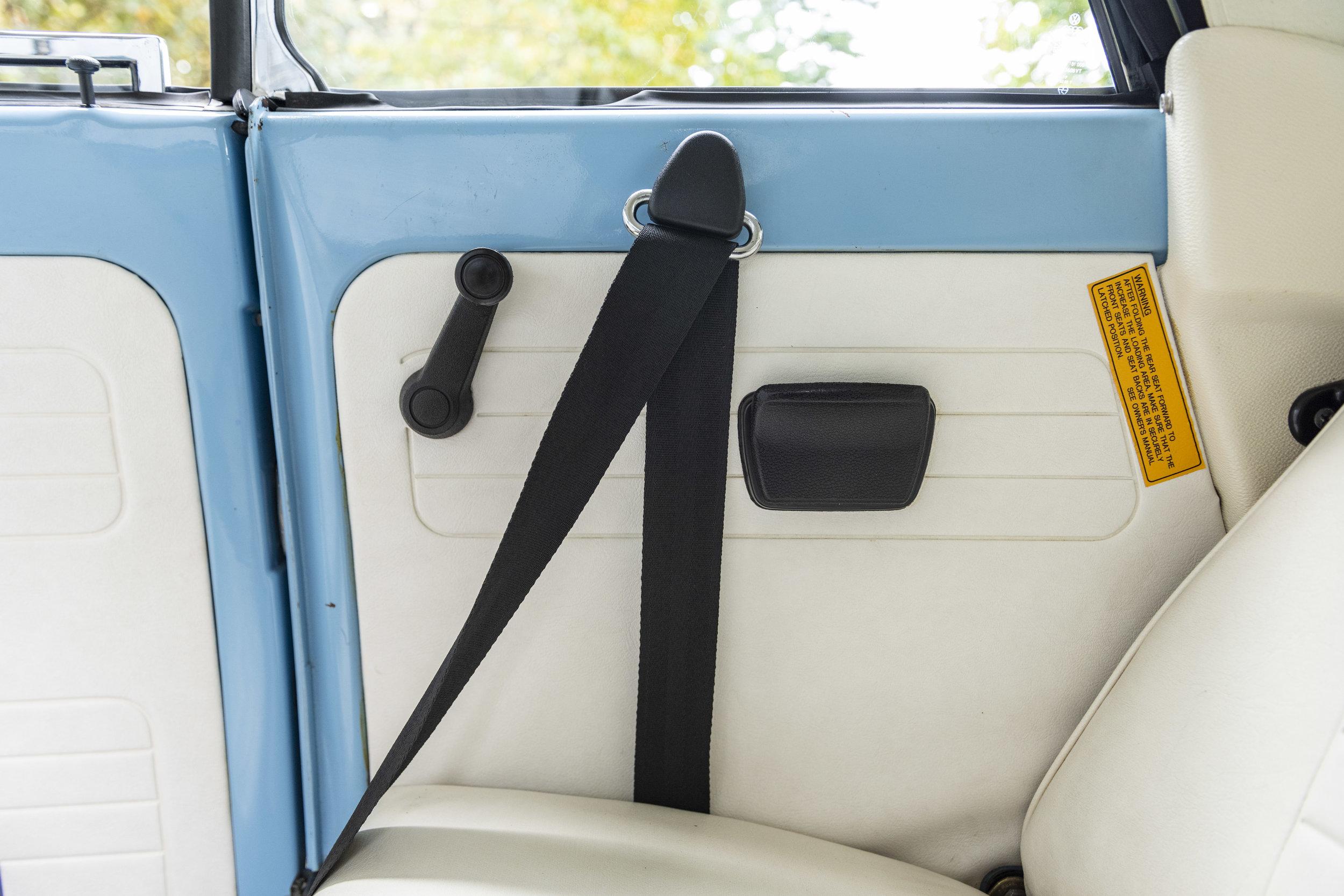 VW Bug Interior_023.JPG