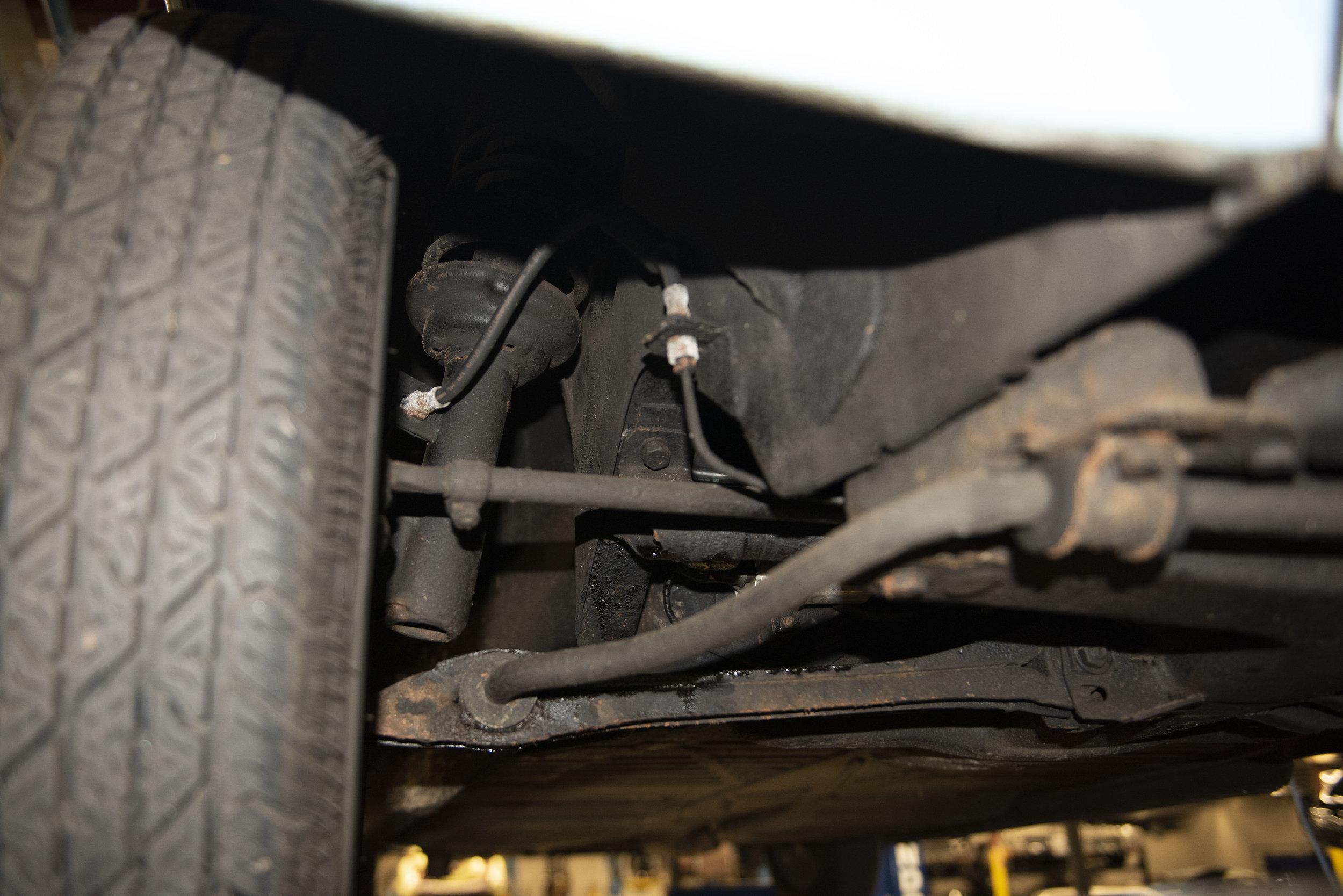 VW Bug Vert Underbody_002.JPG
