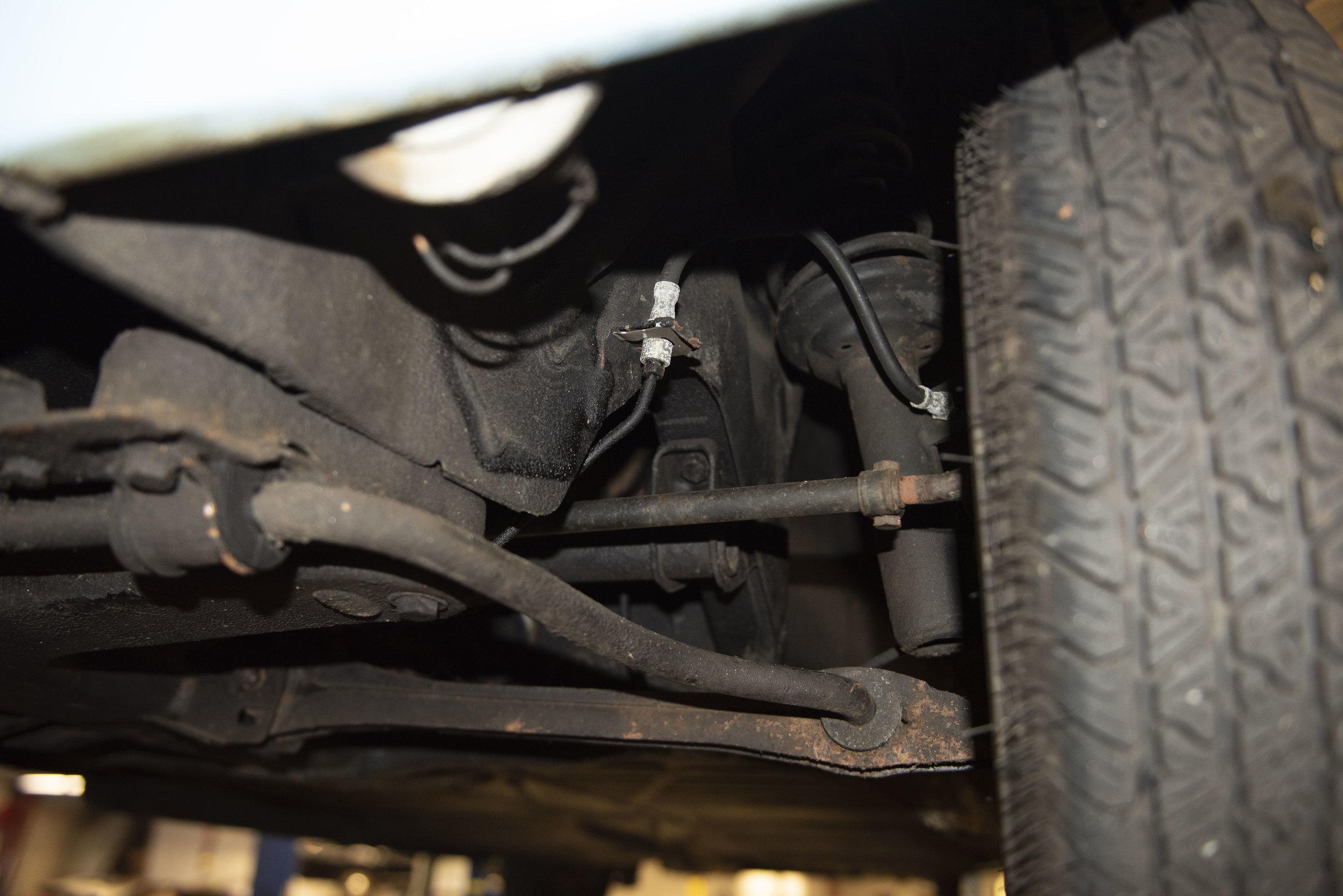 VW Bug Vert Underbody_003.JPG