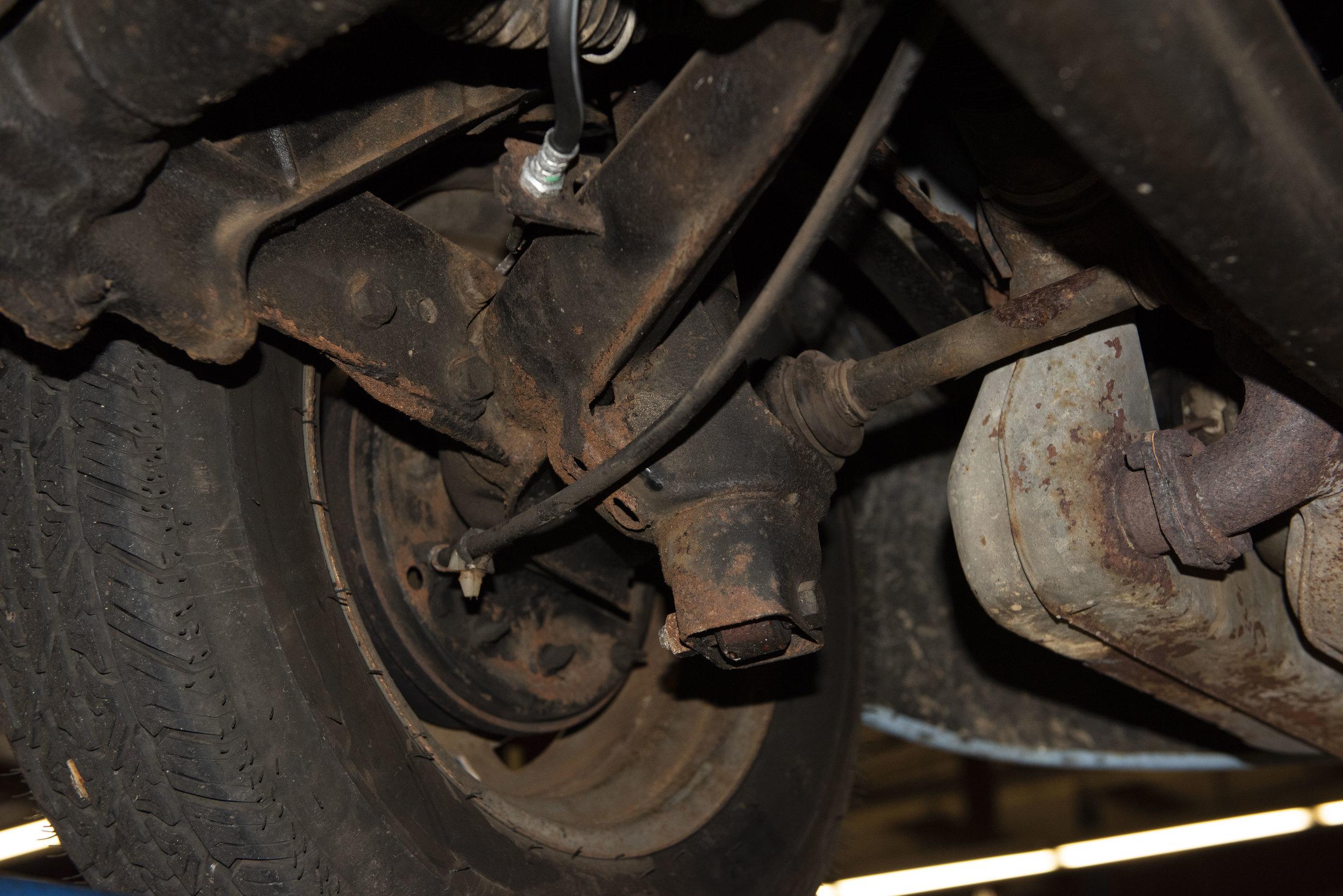 VW Bug Vert Underbody_009.JPG