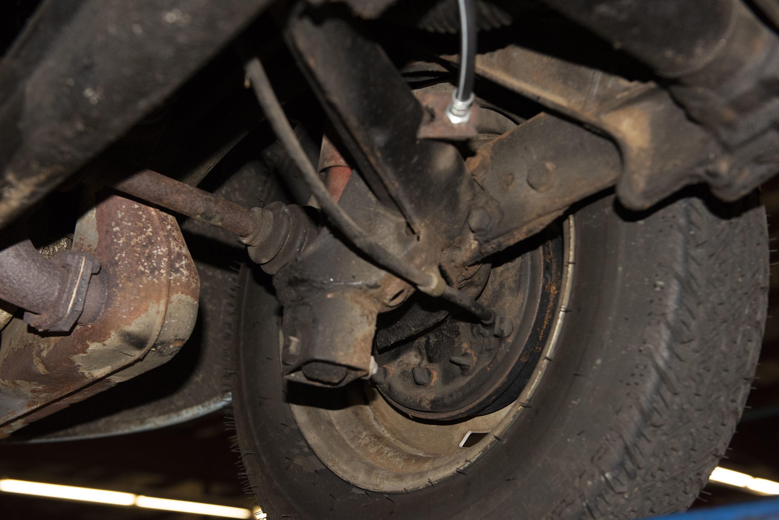 VW Bug Vert Underbody_010.JPG