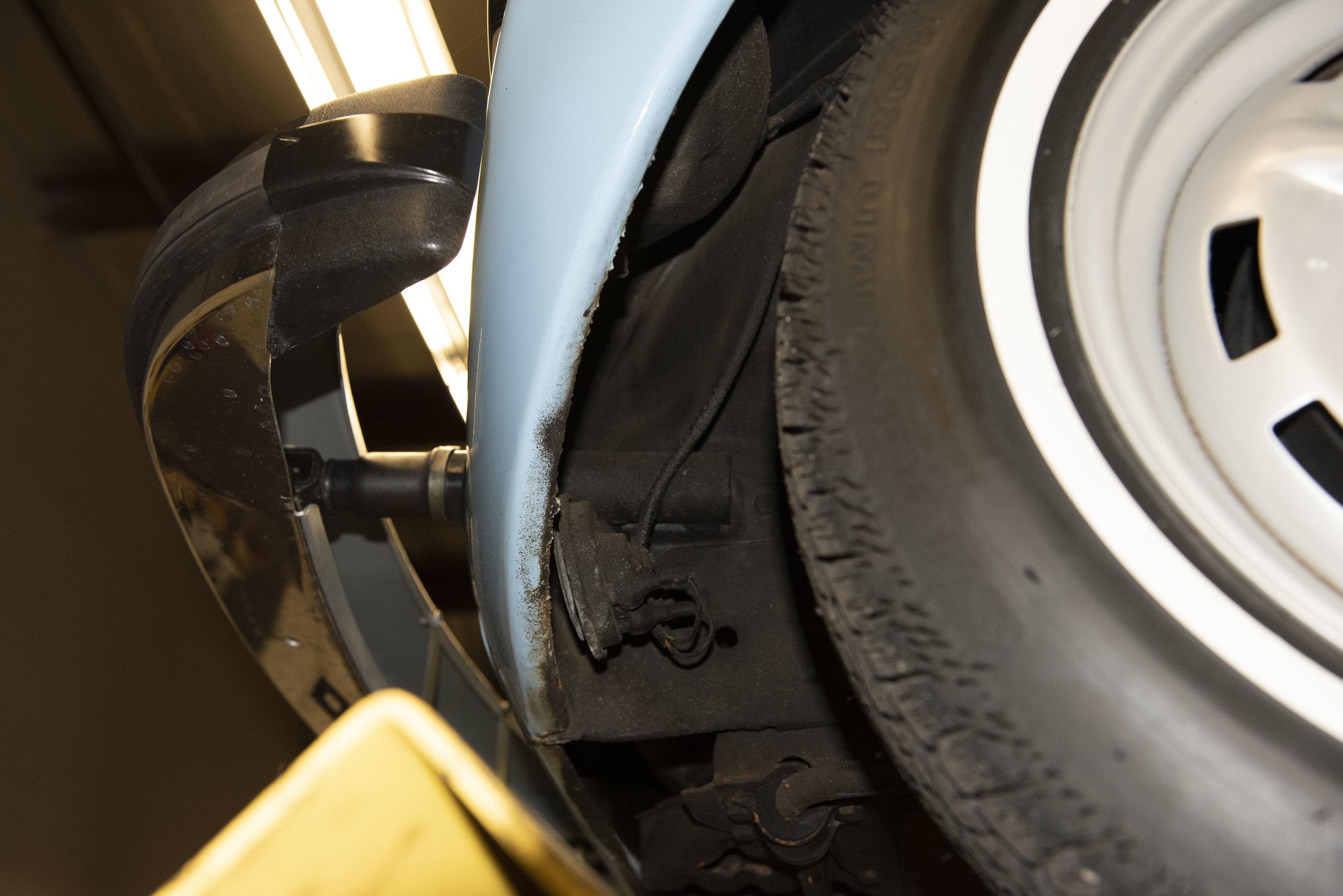 VW Bug Vert Underbody_026.JPG