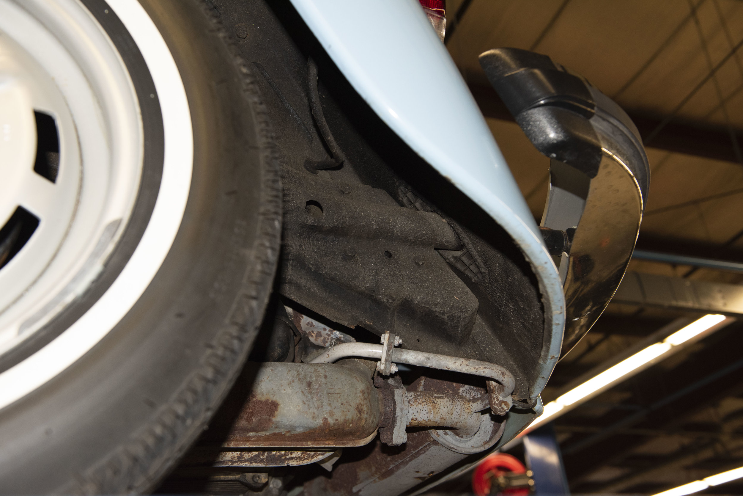 VW Bug Vert Underbody_028.JPG