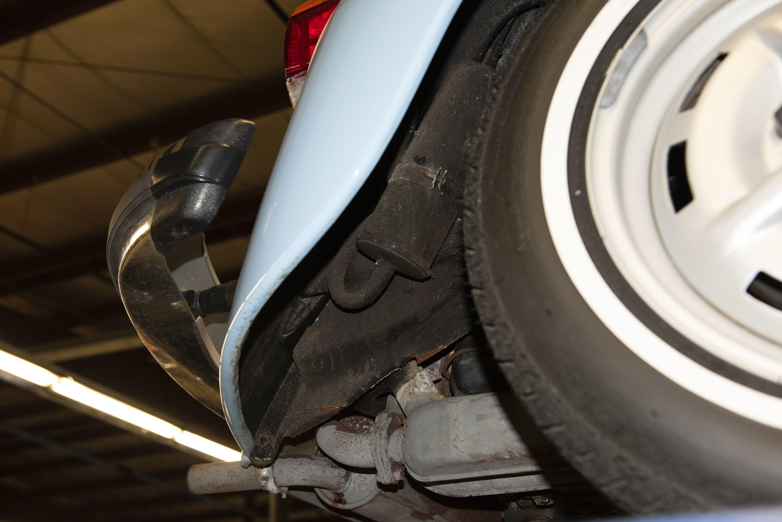 VW Bug Vert Underbody_029.JPG
