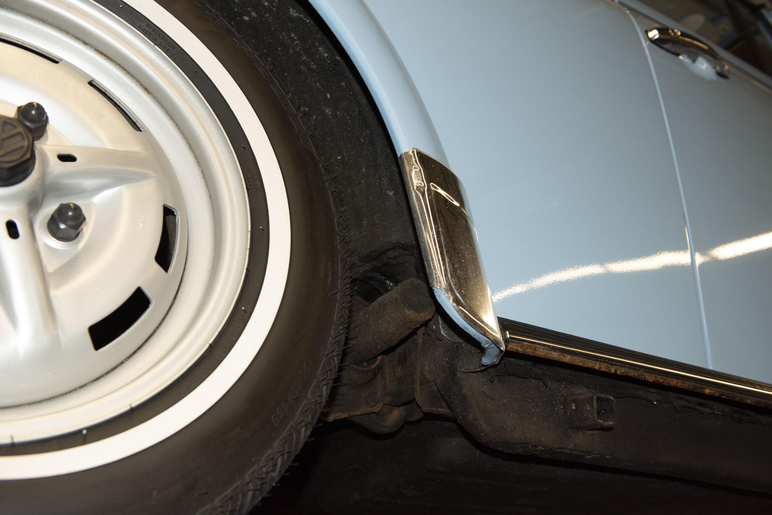 VW Bug Vert Underbody_030.JPG