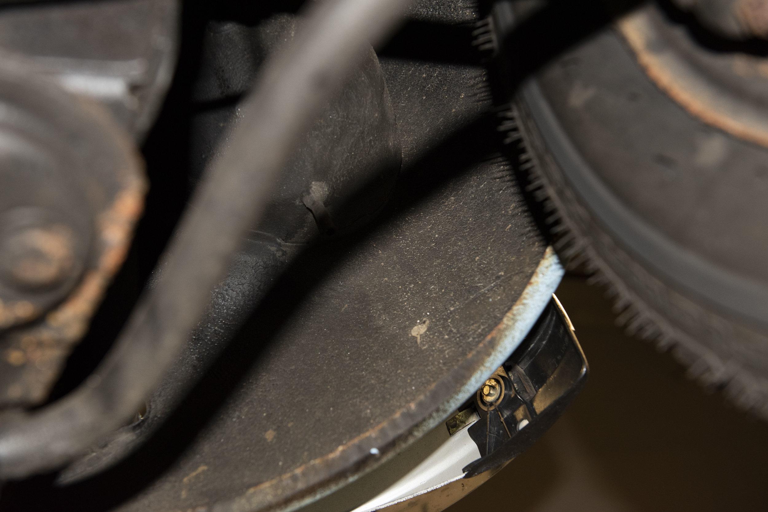 VW Bug Vert Underbody_038.JPG