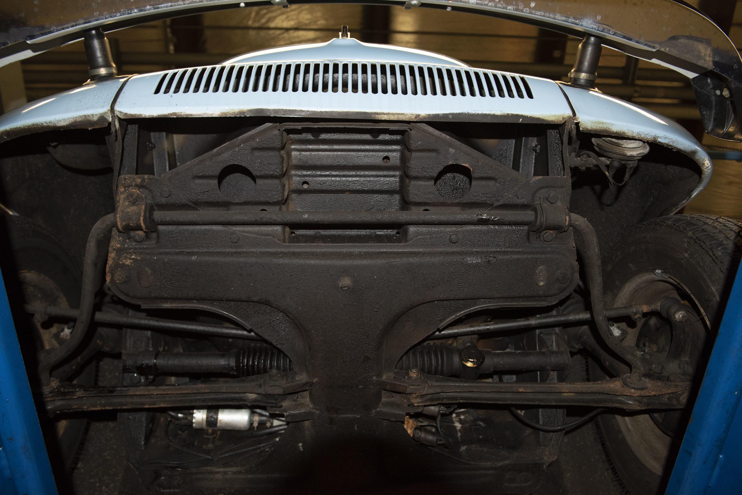 VW Bug Vert Underbody_041.JPG