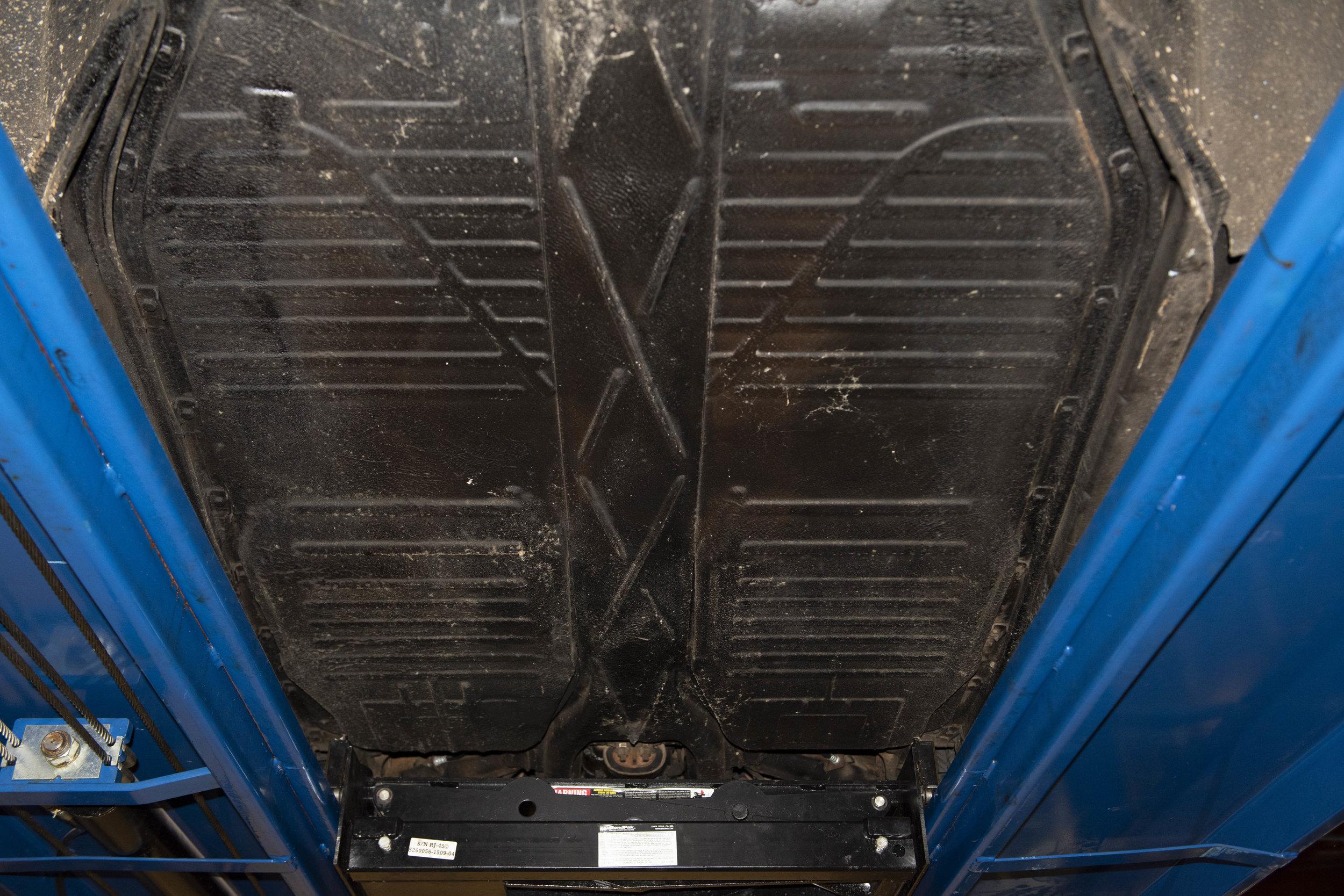VW Bug Vert Underbody_043.JPG