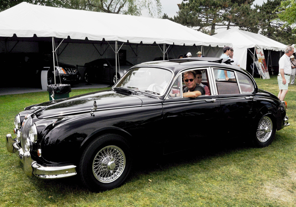 Fresh from restoration in our shops, Andrew Bennenson brings his charming Webasto sunroof equipped Jaguar 3.8 Mark II to the stage to accept The Award for Best British Salon 1945 to 1969