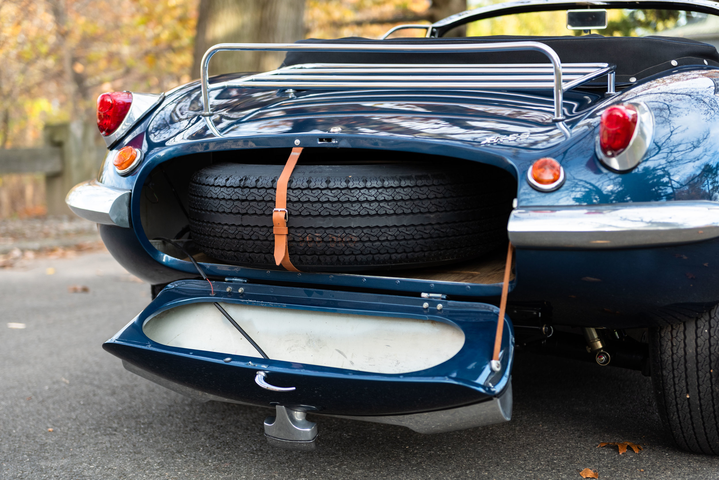JaguarXKSS_-11.jpg