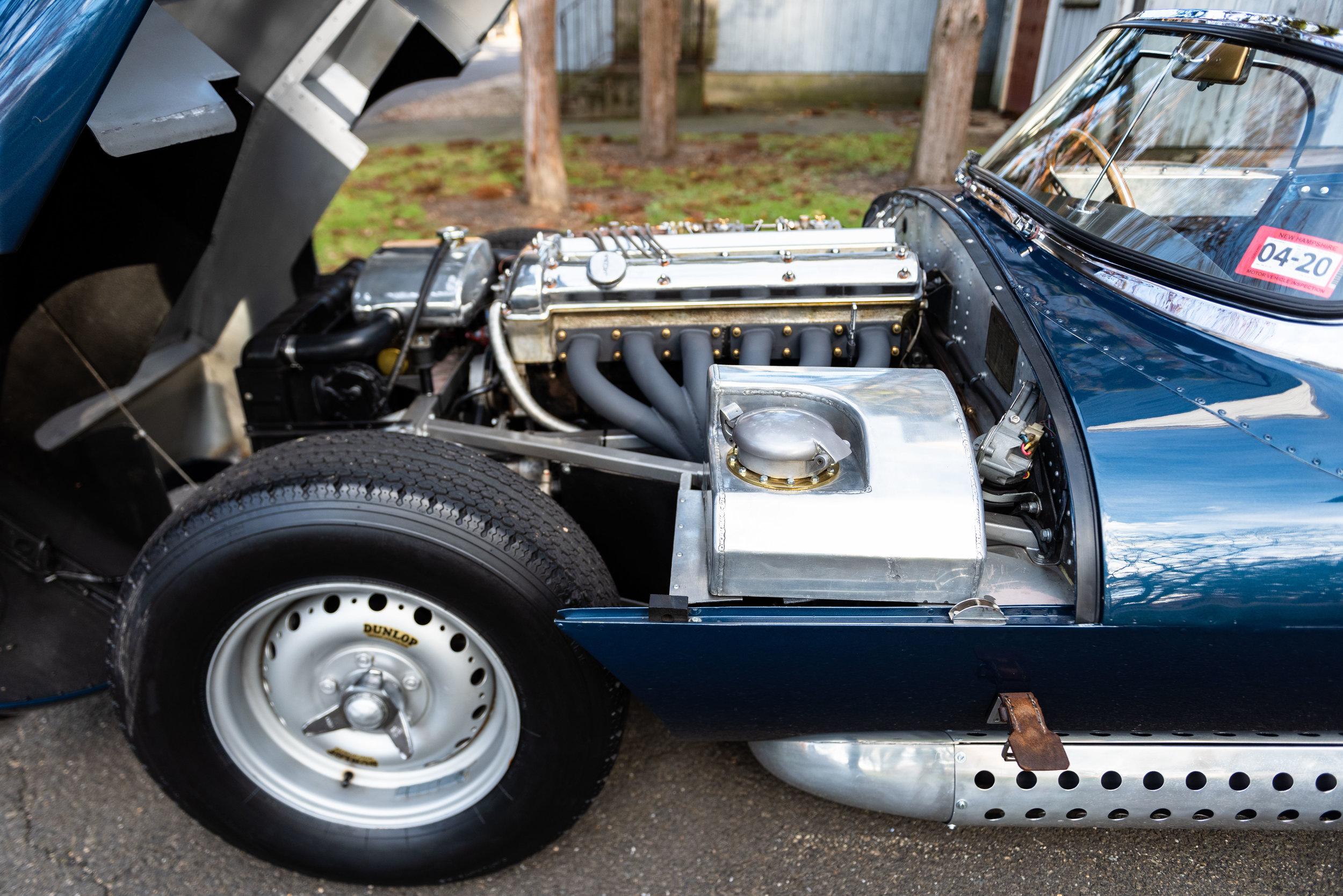 JaguarXKSS_-36.jpg