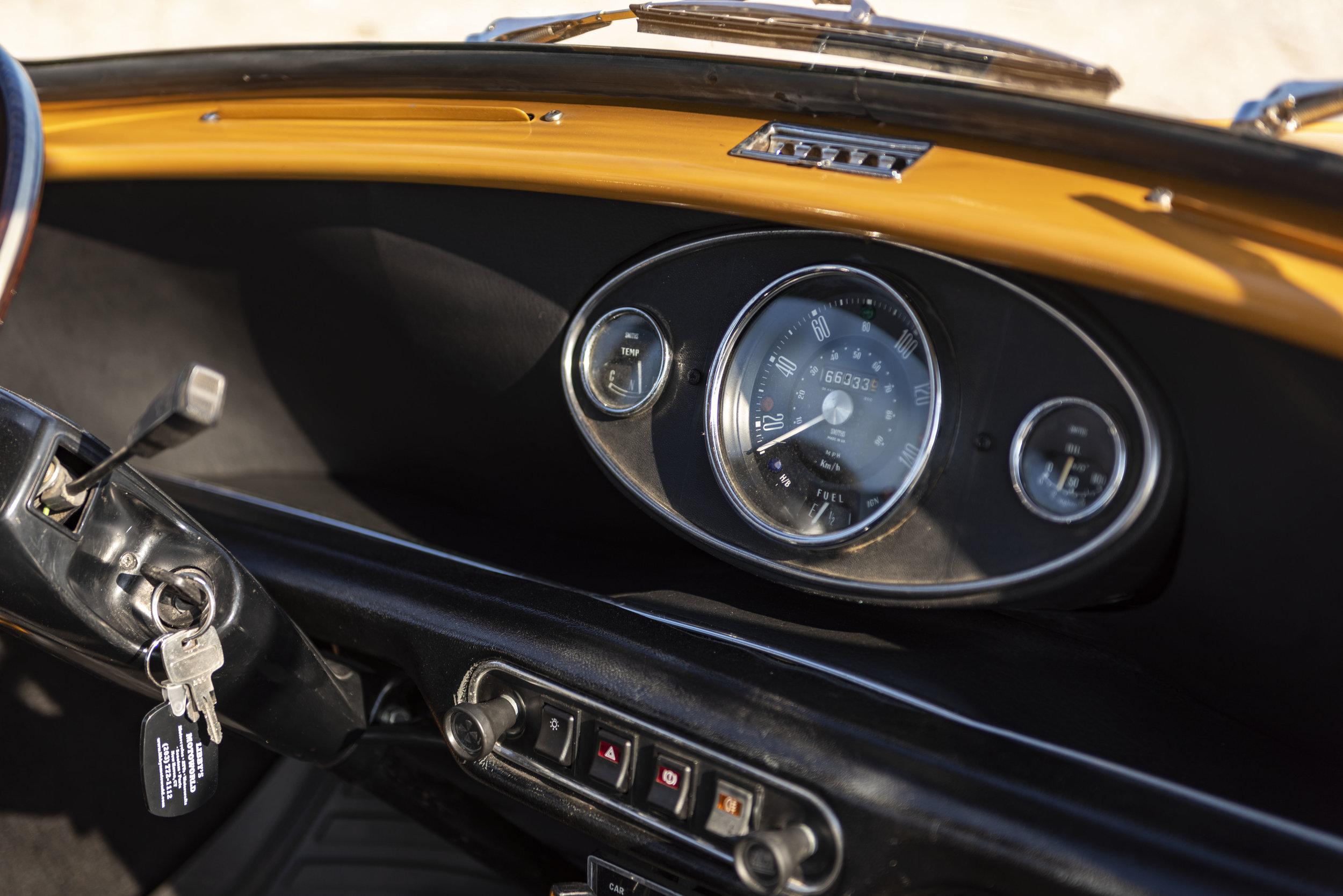 1971 Morris Mini 1000 (9).jpg