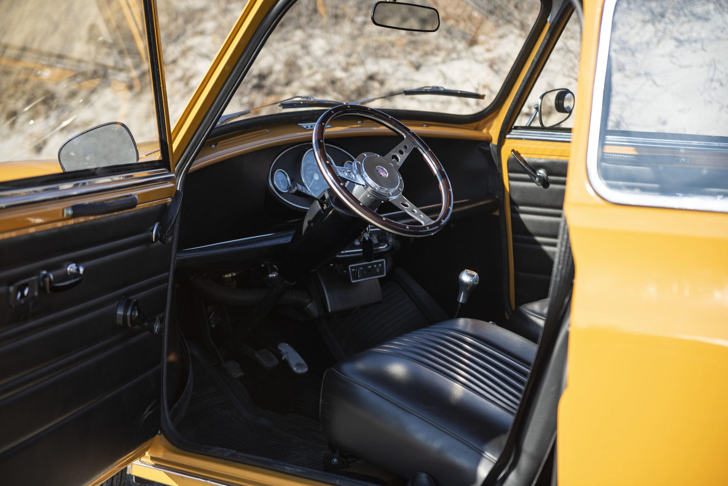 1971 Morris Mini 1000 (15).jpg