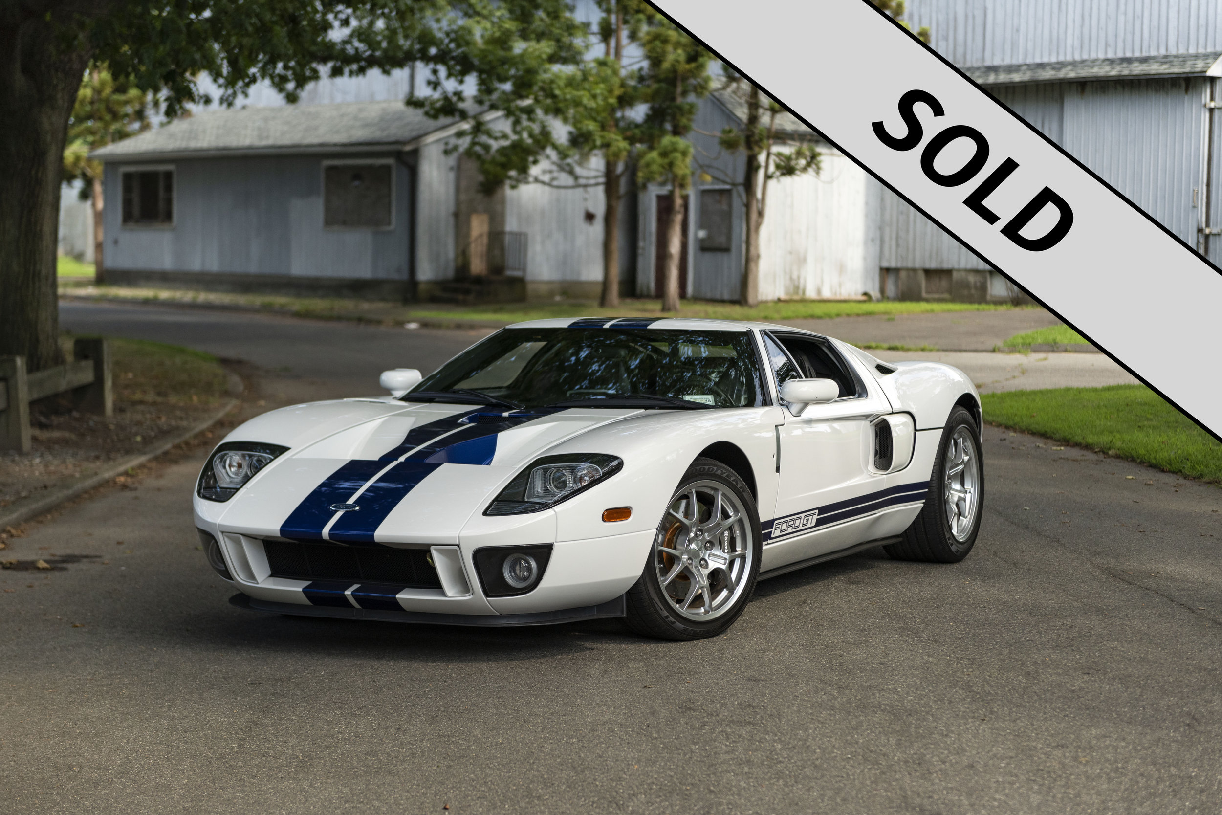 2005 Ford GT SOLD.jpg