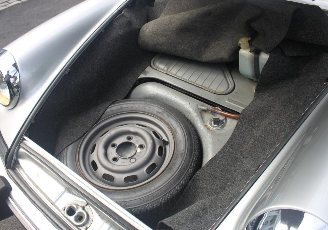 1973 Porsche 911 targa (15).jpg