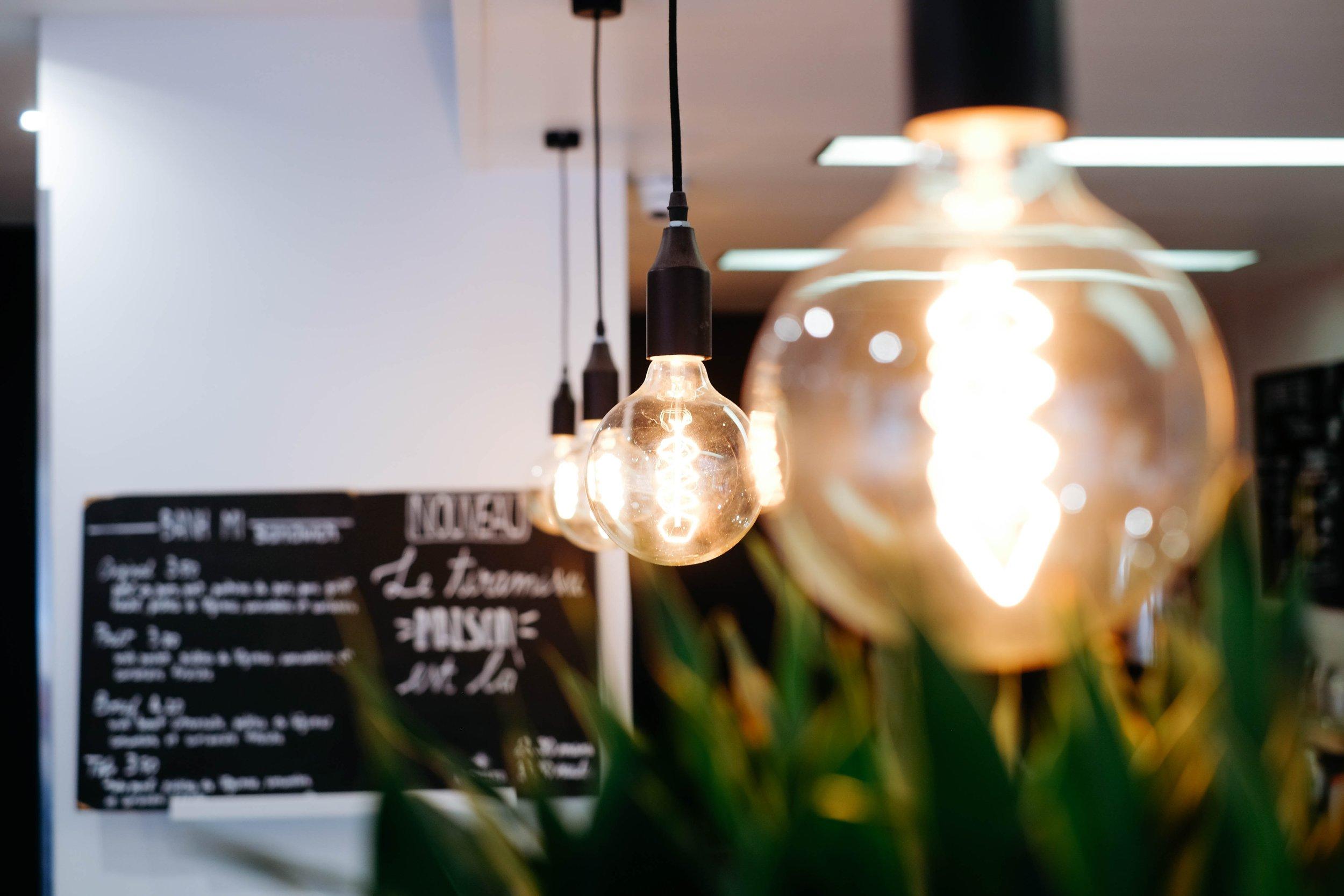 how-do-dispose-of-light-bulbs