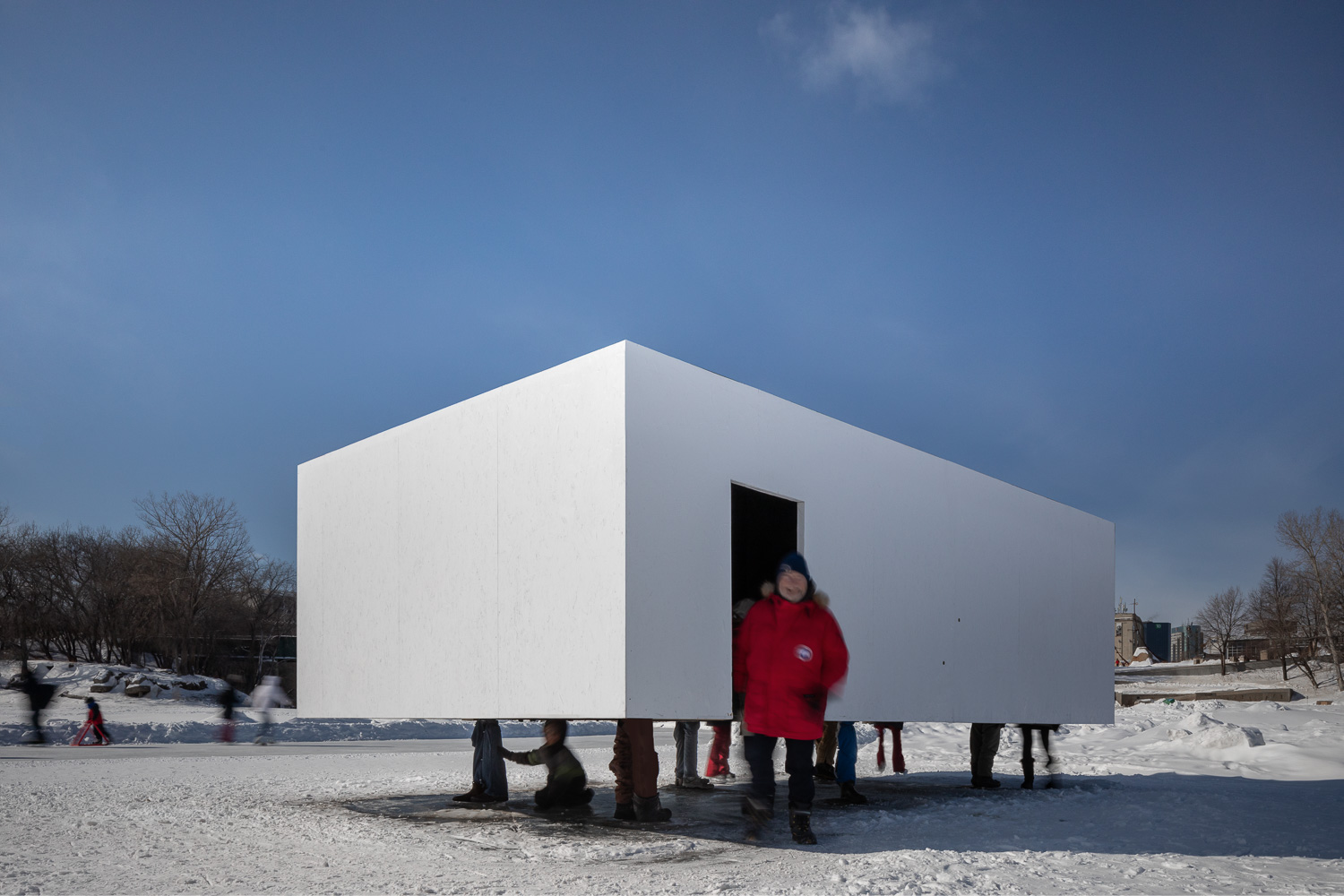 Hoverbox by NAICE Architecture & Design