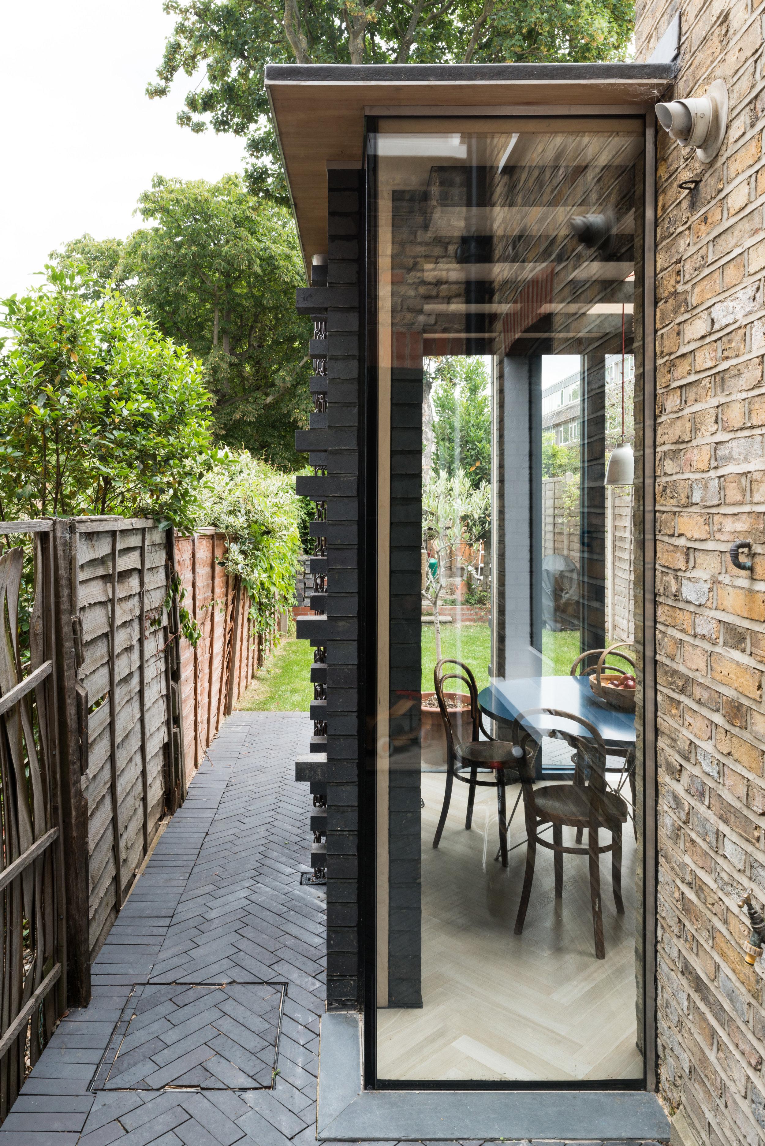 My House Corner Window - MW Architects
