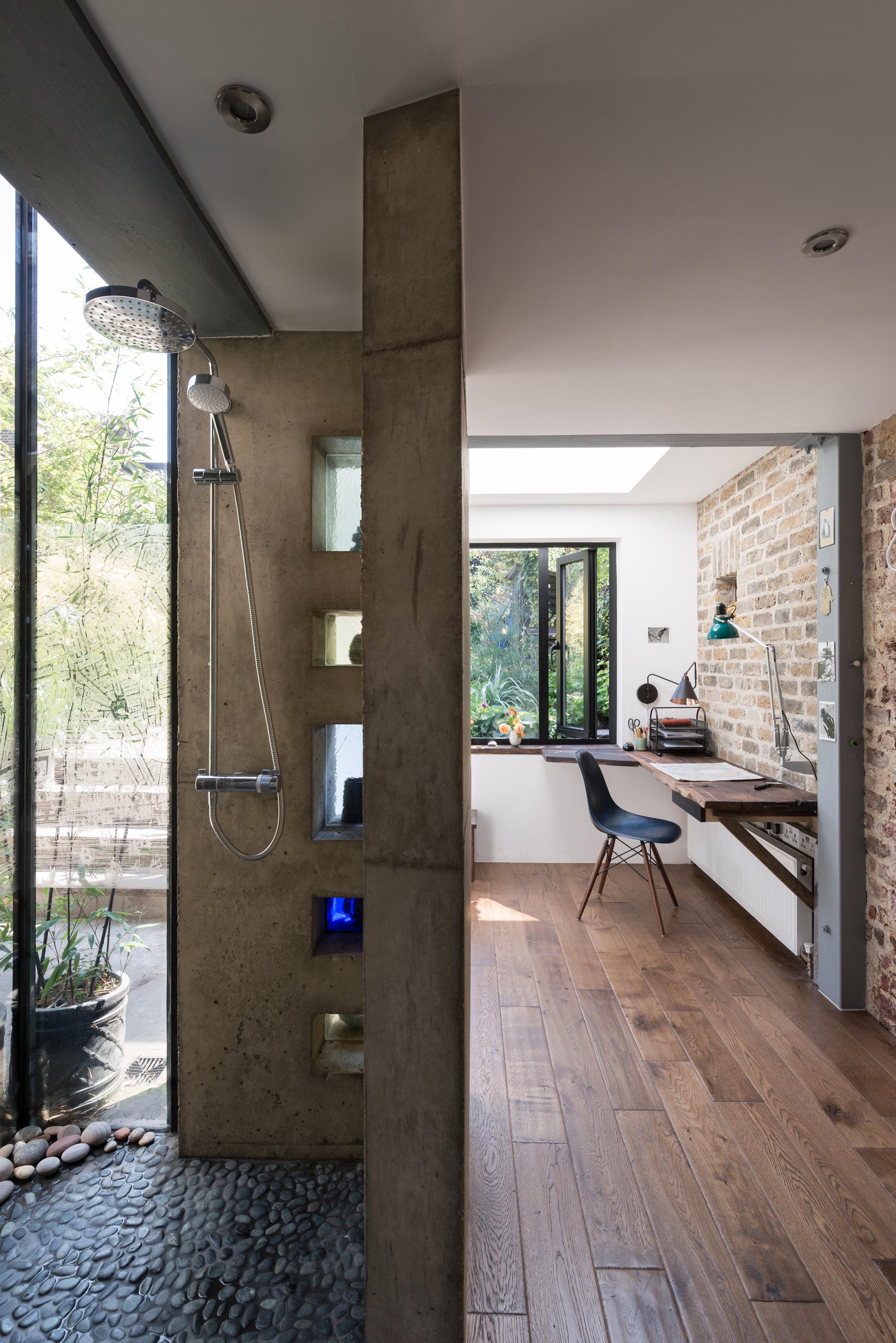Ceceilia Road Shower - MW Architects