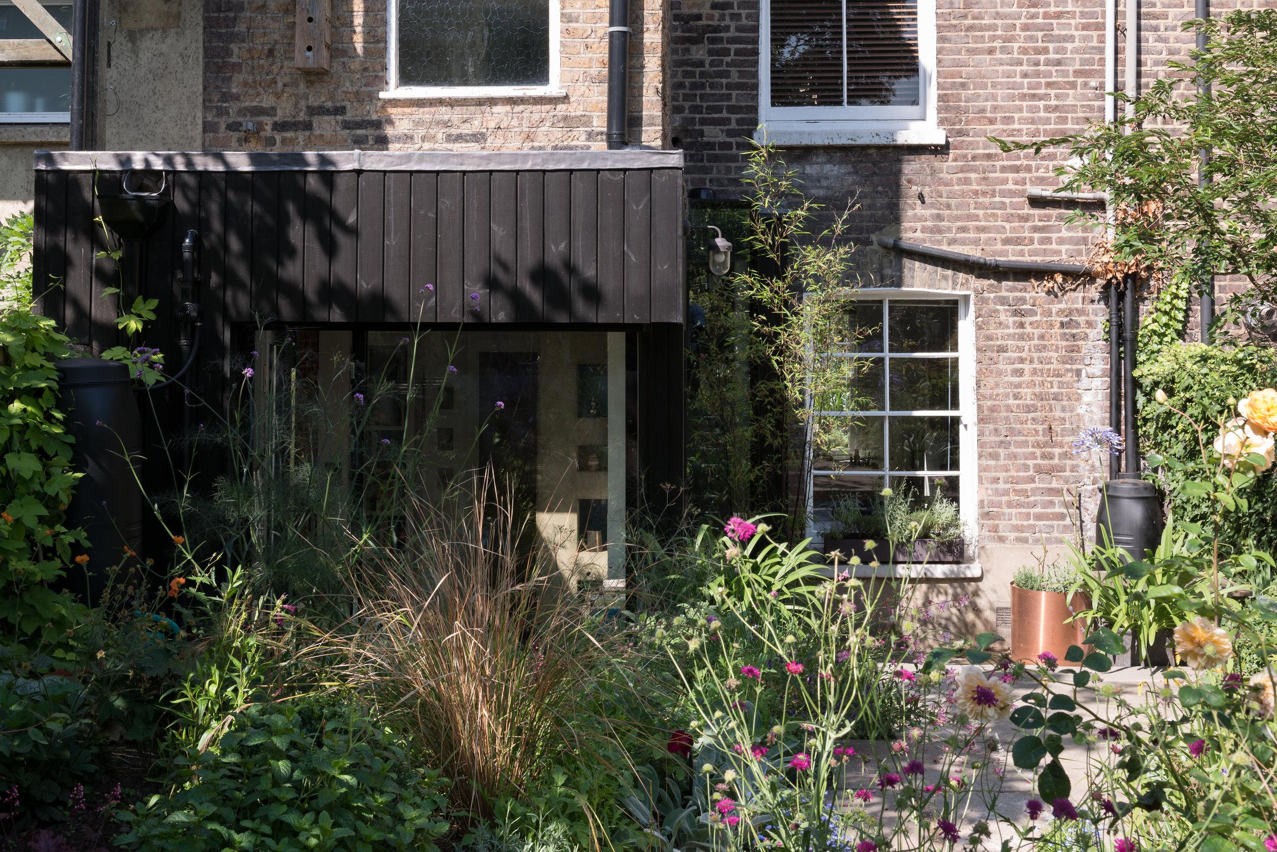 Ceceilia Road Garden - MW Architects
