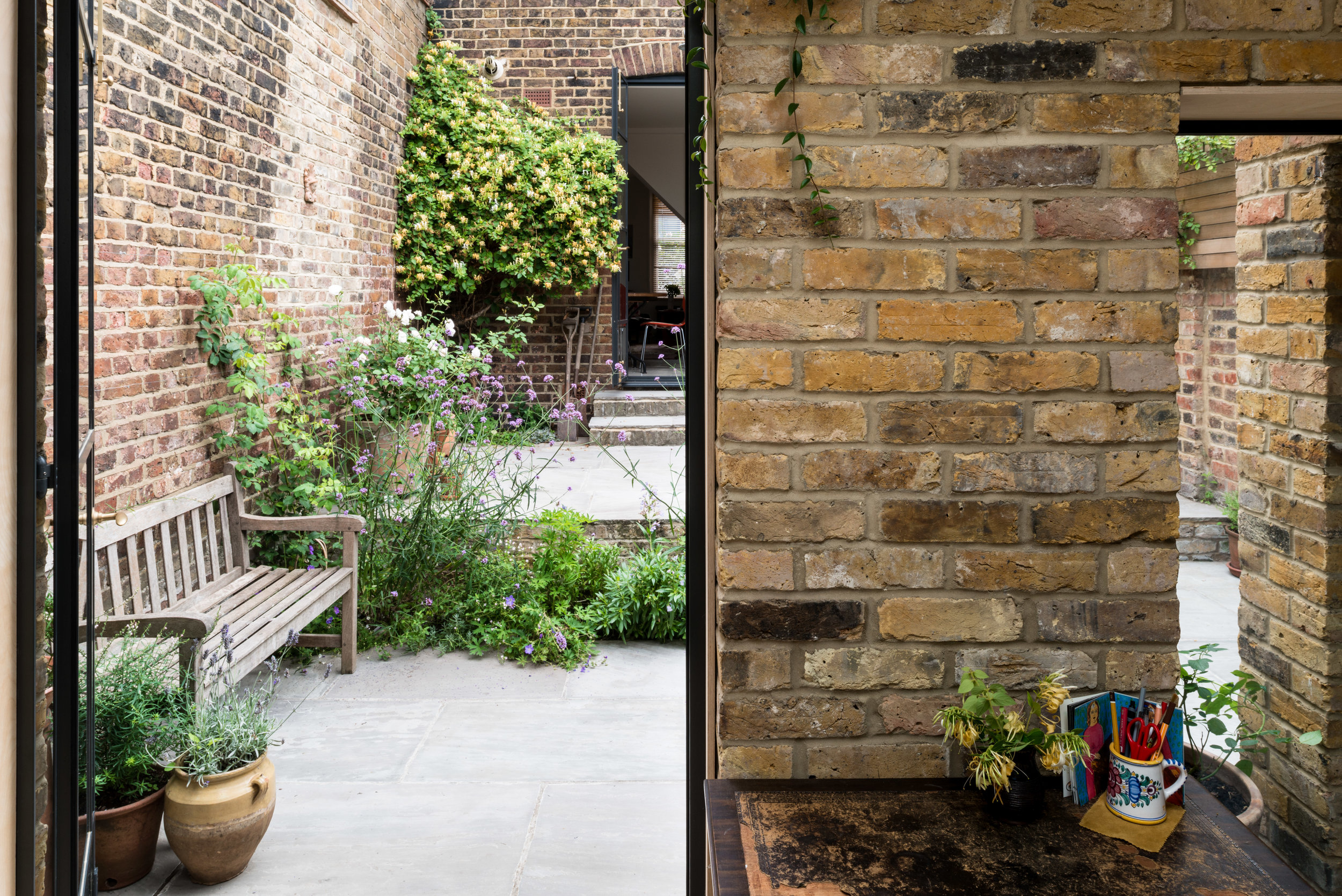 Greenwich Garden Studio Brick - MW Architects