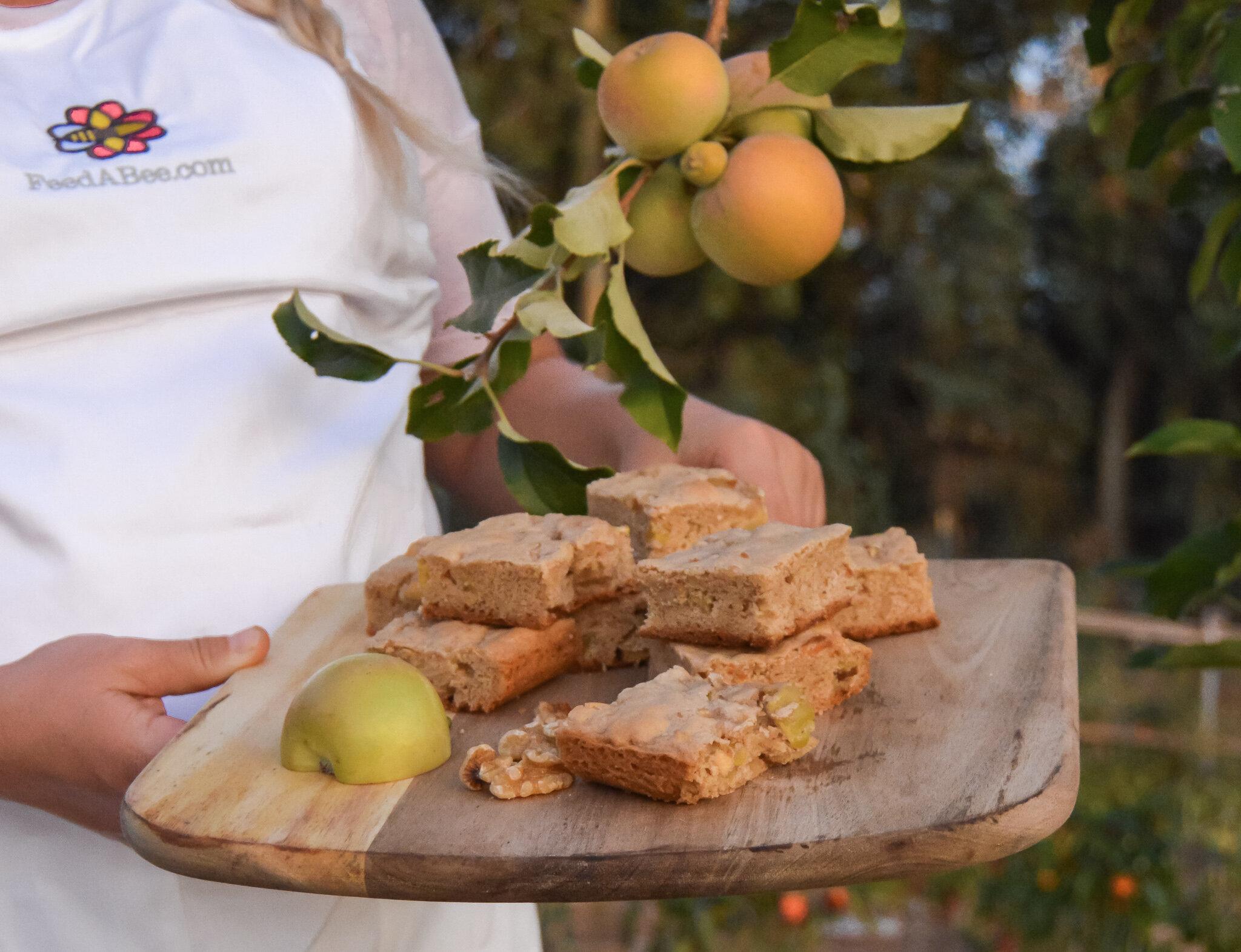 Apple Pie Blondes#garden, #summergarden, #harvest, #homesteading, #pesto, #diygarden, #gardengoals, #summergardening, #farmtofork, #nutrition, #homegrown, #farmtotable, #homegrownfood, #healthyfood, #healthyrecipes, #falldesserts, #apples, #appledessert, #applepie, #appleblondie, #brownie, #applepie, #feedabee