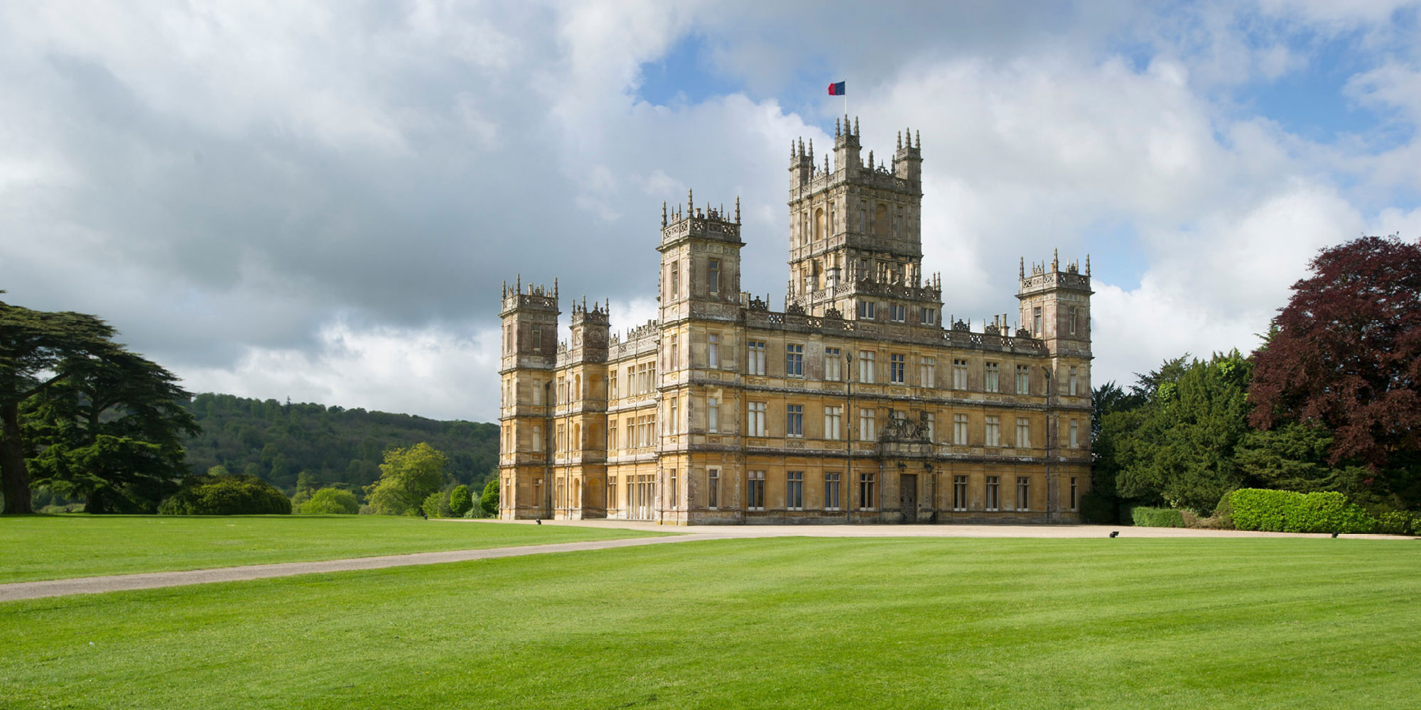 Transcendent Travel is offering a one-week tour taking people to UK film sets, with the trip priced at $6,495 (£4,883). The itinerary includes a visit to Highclere Castle in Hampshire, the set of Downton Abbey.