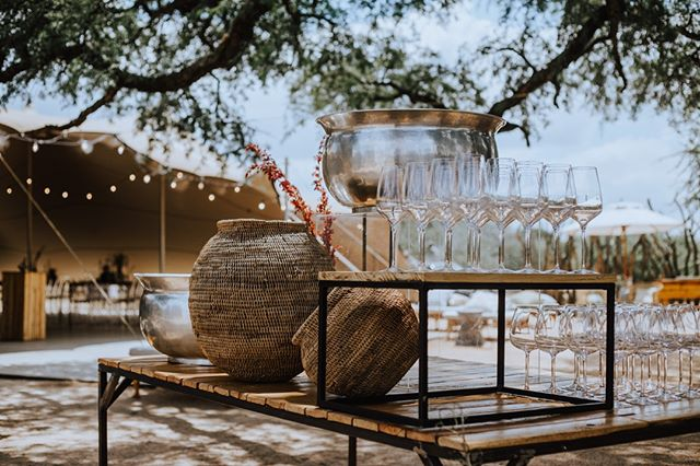 Icy bubbles, warm wicker, green trees, yes, please. 🌿⠀ .⠀ Image by @bahamaburgundy_photo ~ ~ ~ #lunikhygamefarm #bush #southafrica #wedding #weddinginspo #weddingphotography #couple #newlyweds #weddinglocation #weddingmarquee #trees #nature #weddingsetting #outdoorwedding #bush #bushveld #weddinginspo #weddingaccommodation #naturewedding #weddingvenue #bouquet #gamefarm #instagood #picoftheday