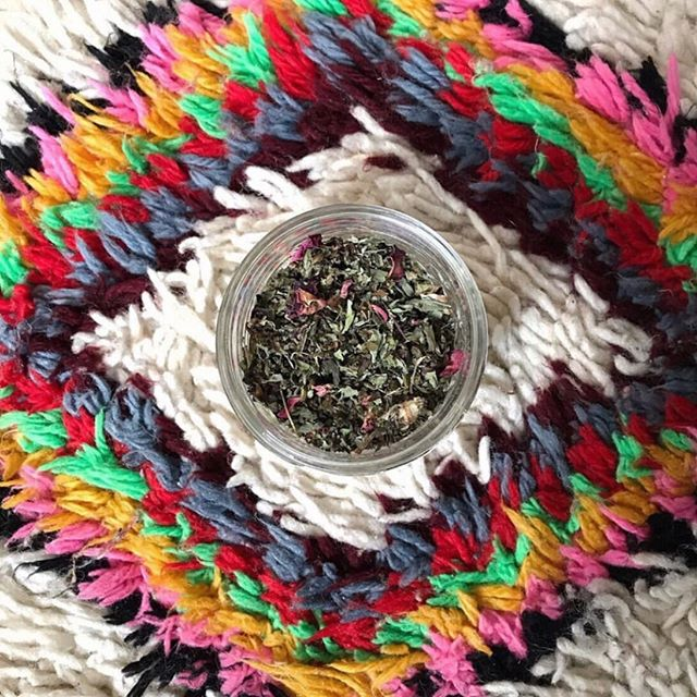 Love this pic by @goodwitchkitchen of the herbal tea blend she created on our 3hr Herb Witch Walk with Salem herbalist Kate Laurel of @laureltreehealingarts. The next public one is on Thursday, August 1st 10am-1pm and includes visits to Salem's beautiful historic gardens and admission to the Witch House to learn about 17th century folk magic! Kate is passionate about the decolonization of herbal medicine and donates a percentage of every tour to the Massachusetts Center for Native American Awareness. Sign-up via the link in our profile. Or feel free to get a group together for a private walk! #witchesofinstagram #decolonize #herbalism #salem #responsiblewitchcraft #witchcity