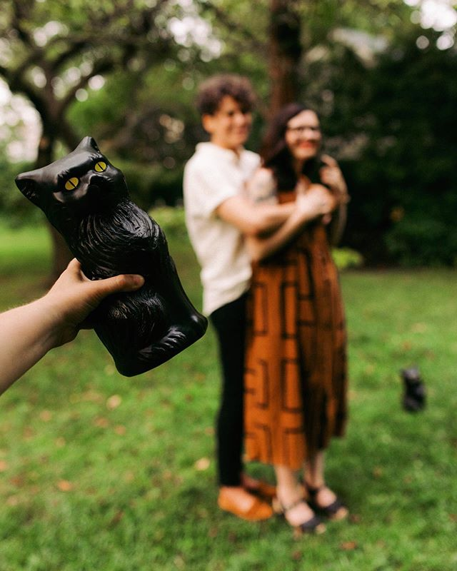 First☝️year married to the witch of my dreams! I never could have imagined just how transformational even one year of marriage could be. P.S. thanks to @carlyromeoandco + #feministphotovaycay for the surprise photo sesh/ black cats #first #anniversary #witchwedding #salem
