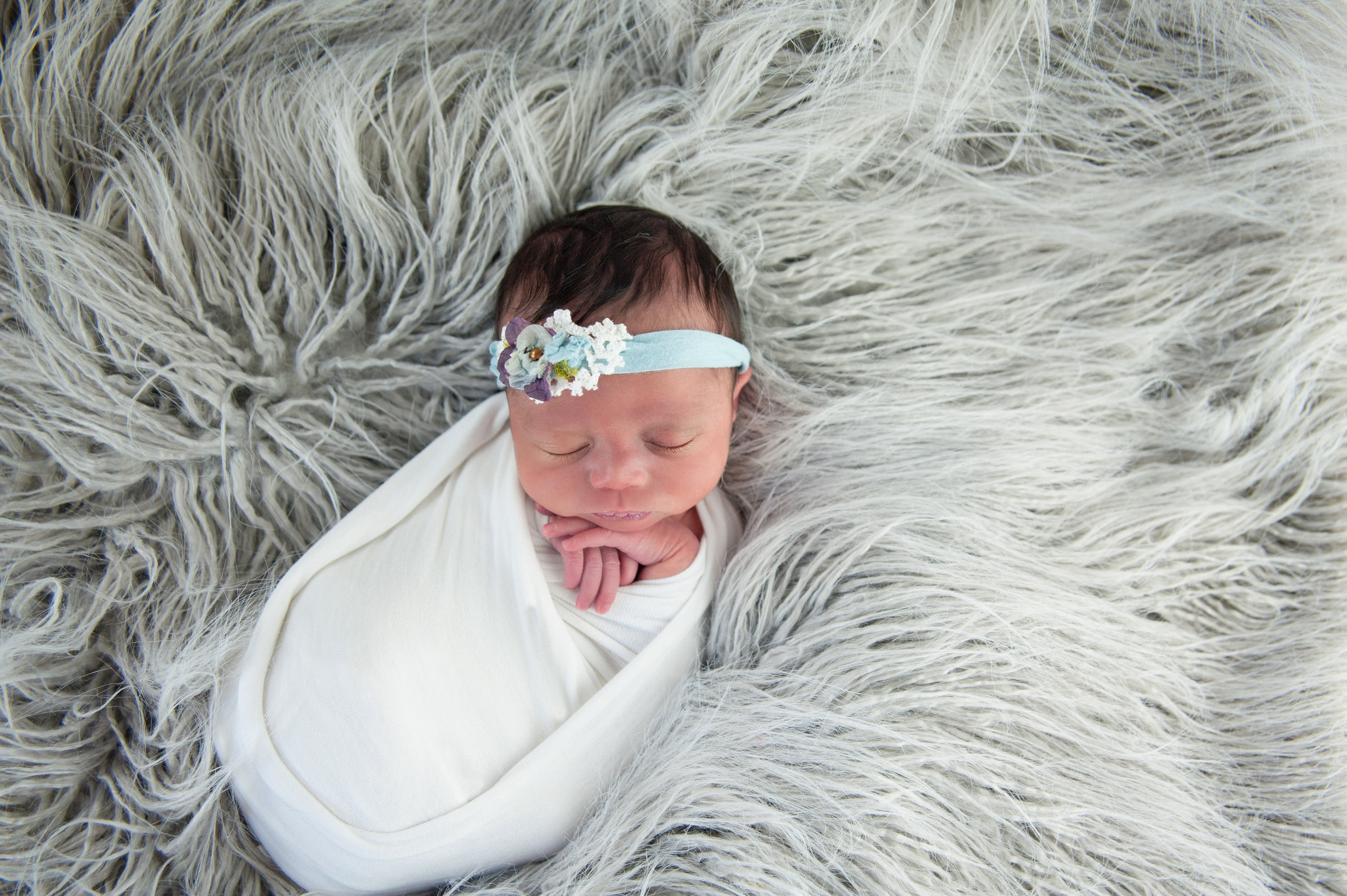 Newborns are best between 3-10 days of age.
