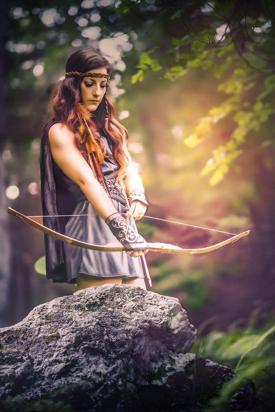 Steph with Arrow Light2lr.jpg
