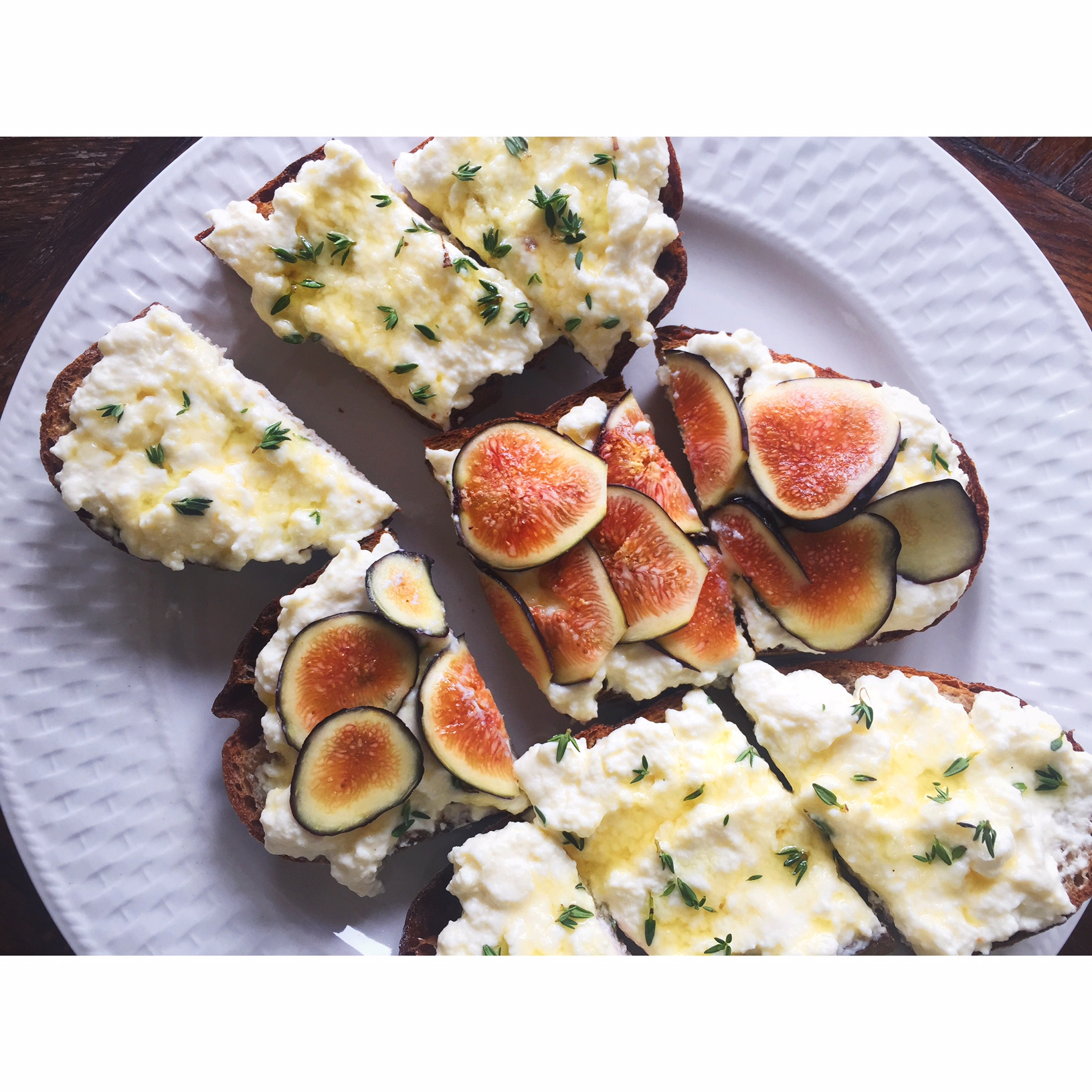 Tartines for brunch! Ricotta with figs or ricotta with honey, thyme and truffle oil.