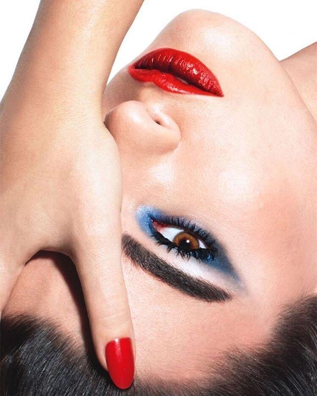 Upside down VIBES ⠀⠀⠀⠀⠀⠀⠀⠀⠀ ⠀⠀⠀⠀⠀⠀⠀⠀⠀ - #vibecosmetics #vibewithus #vibeon #liquidlipsticks  #getyourranton #freeyourvibe #viberants #lipcolor  #cosmetics #volumetriccolor #boldandbeautiful #ravenousrants #liquidlipstick #vegancosmetics #crueltyfreecosmetics #voluminouscolor #beautygurus #highvolumelipcolor #highfashionface #matteformula #luxurylipsticks #beautybloggers #beautyblog  #beautywithin #vibeout #lusciouslips #makeupblog  #muas #mua #makeupartists