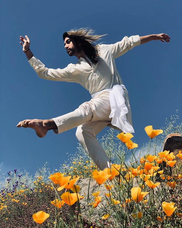 """You were wild once, don't let them tame you"" - Isadora Duncan, one of the pioneers of Modern Dance. Learned so much dance & history from my teacher and friend @cassiekliu @blissdanceco ❤️🙏 forever grateful!!!!! 📸: @ryan_jerome  #impromptuphotoshoot #dance #shoot #phoneshoot #flowers #spring #nature #isadoraduncan #moderndance #history #roots #indiancontemporary #art #queer #loveislove #losangeles"