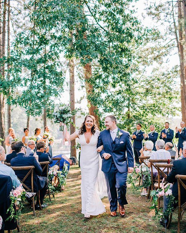 My most sincere congratulations to Liz & Kyle! Freshly married looks so good on you. ❤️ #katefrankphotography #wibride #wisconsinweddingphotographer #summerwedding #realwedding #outdoorwedding