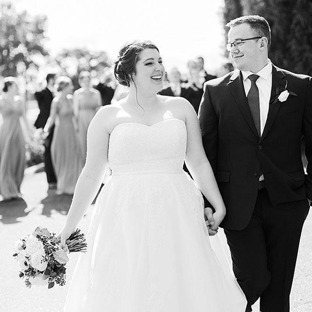 Just feeling that freshly married bliss... Katherine + Thurston ❤️ #katefrankphotography #rushcreekgolfclub #mnbride #minnesotawedding #minnesotaweddingphotographer #summerwedding #realwedding #rushcreekwedding @rushcreekgolfclub