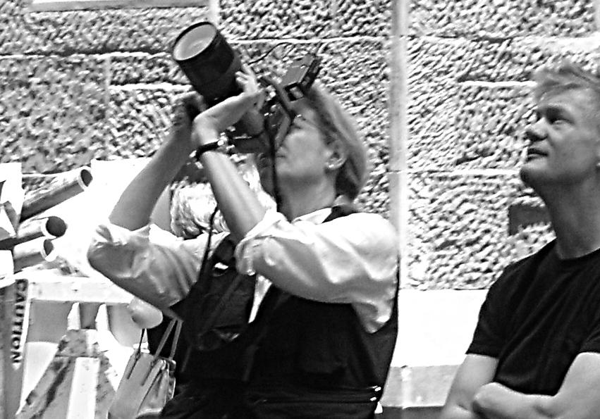 ANNIE LEIBOVITZ IN ACTION