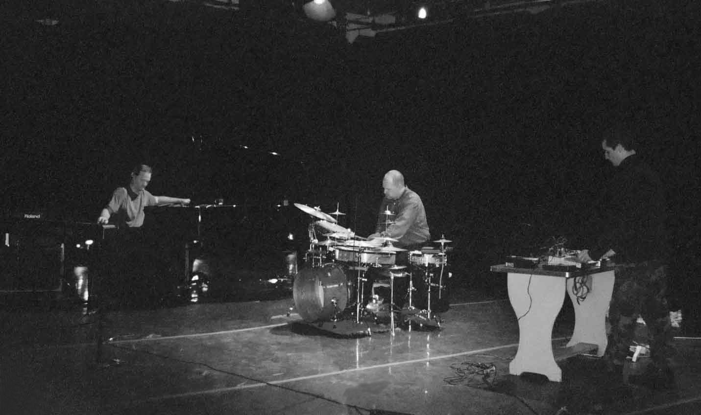 Chainworks at the Improvised & Otherwise Festival, Brooklyn, NY, 2003 (Photo: Elizabeth Kresch)
