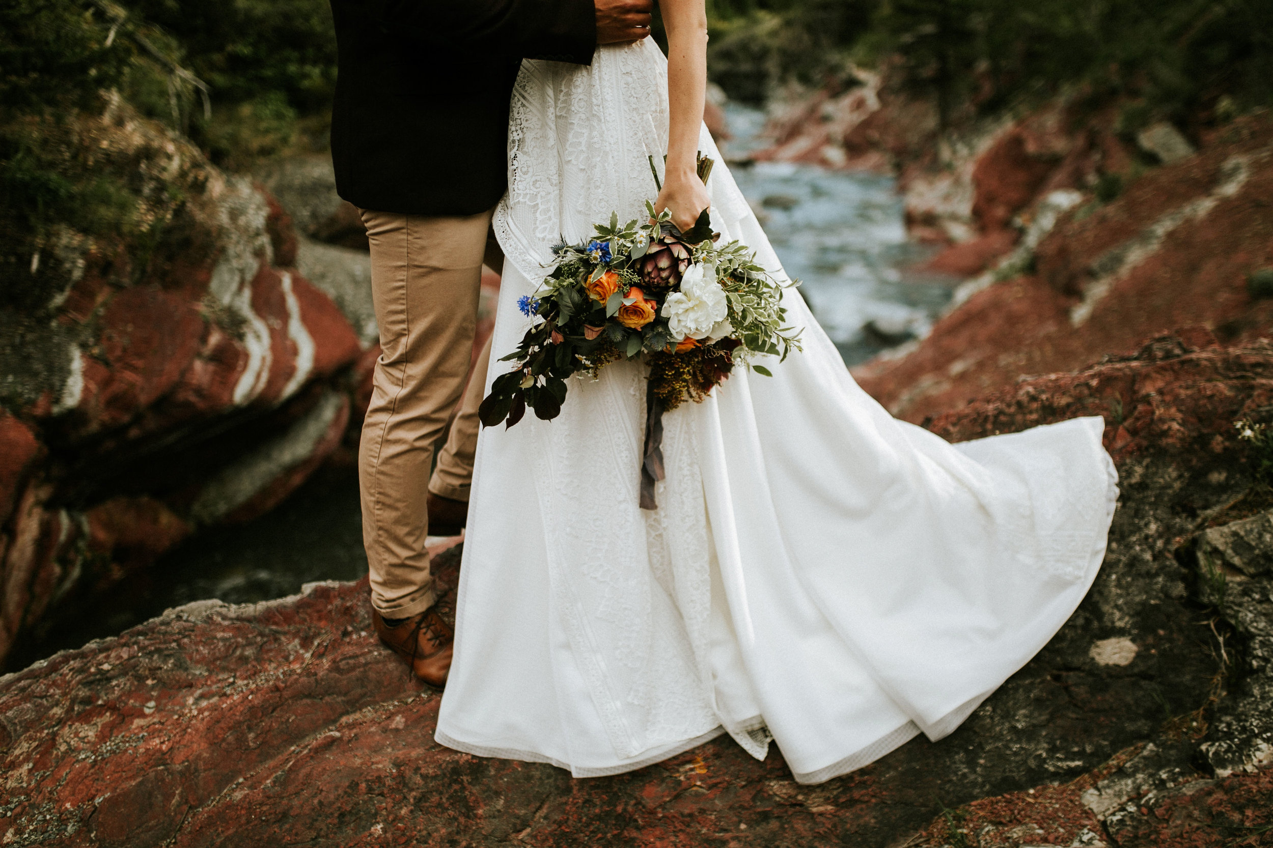Red Rock Canyon Elopement // BexleyDesignCo | Waterton Alberta Styled Elopement
