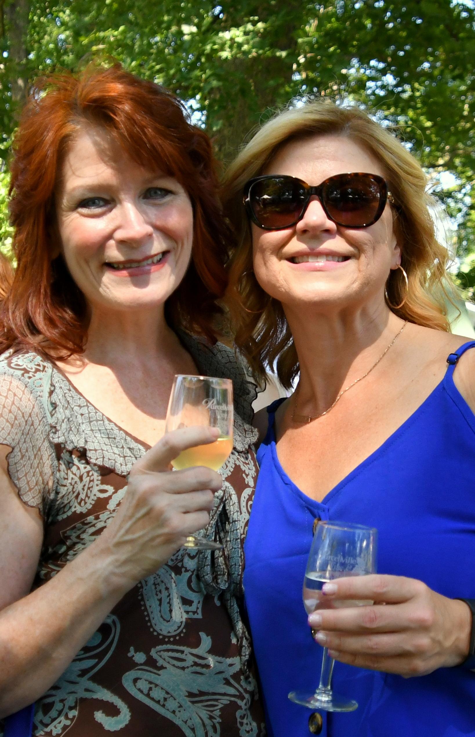 two women 3.jpg