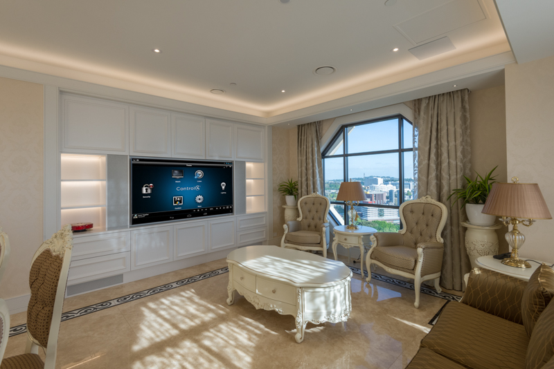Metropolis Penthouse - low res 16.jpg